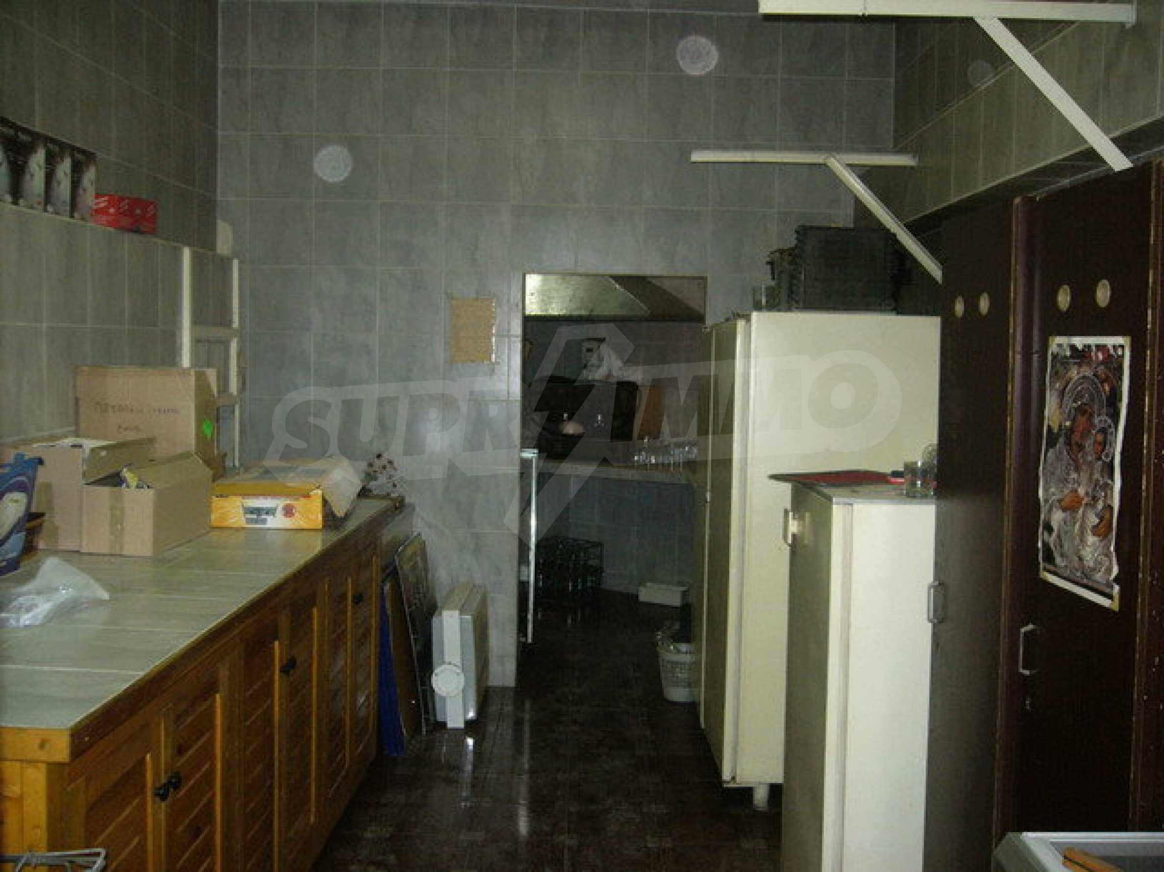 Бизнес имот на 3 етажа във Велико Търново 45