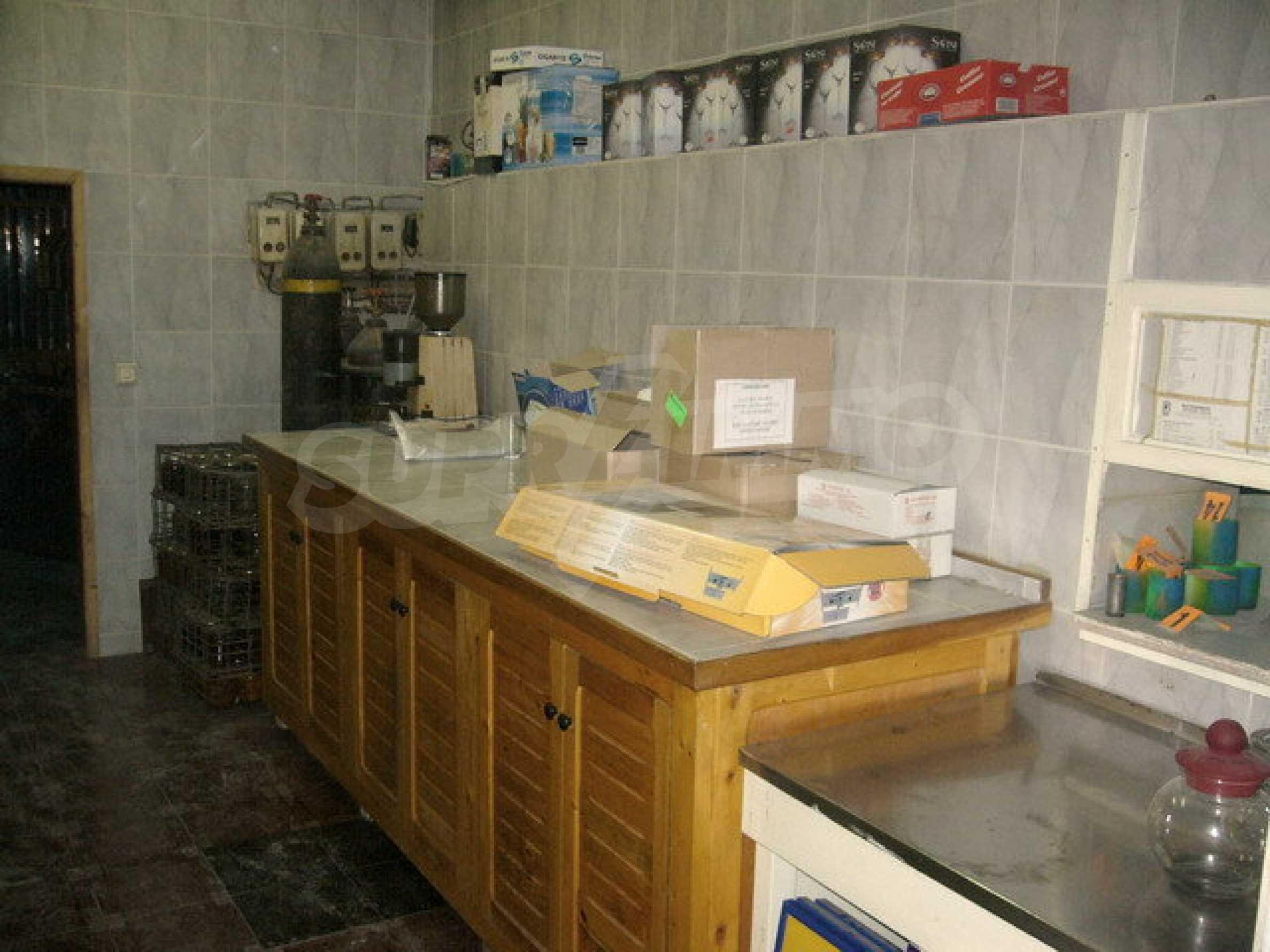 Бизнес имот на 3 етажа във Велико Търново 47