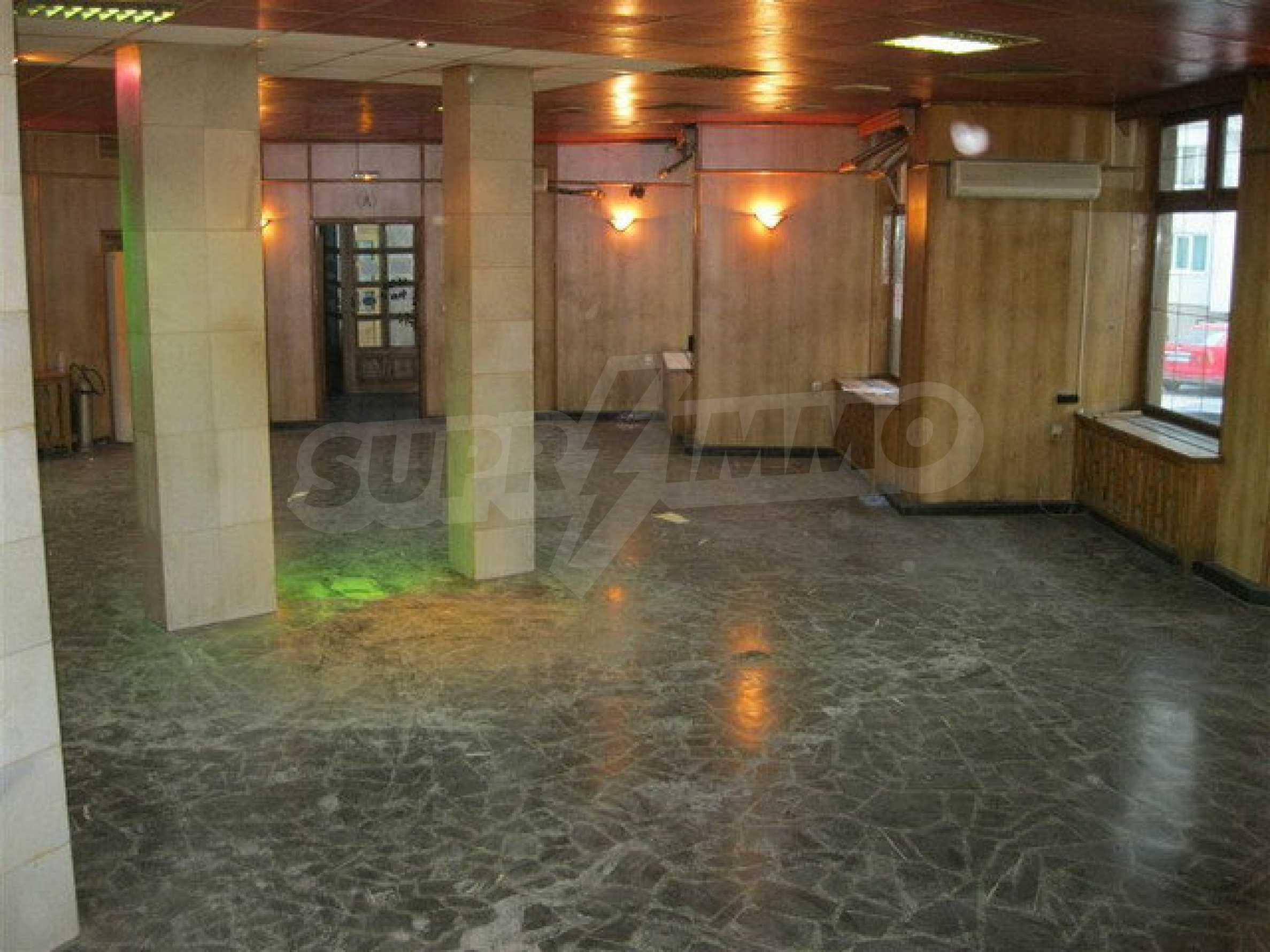 Бизнес имот на 3 етажа във Велико Търново 55