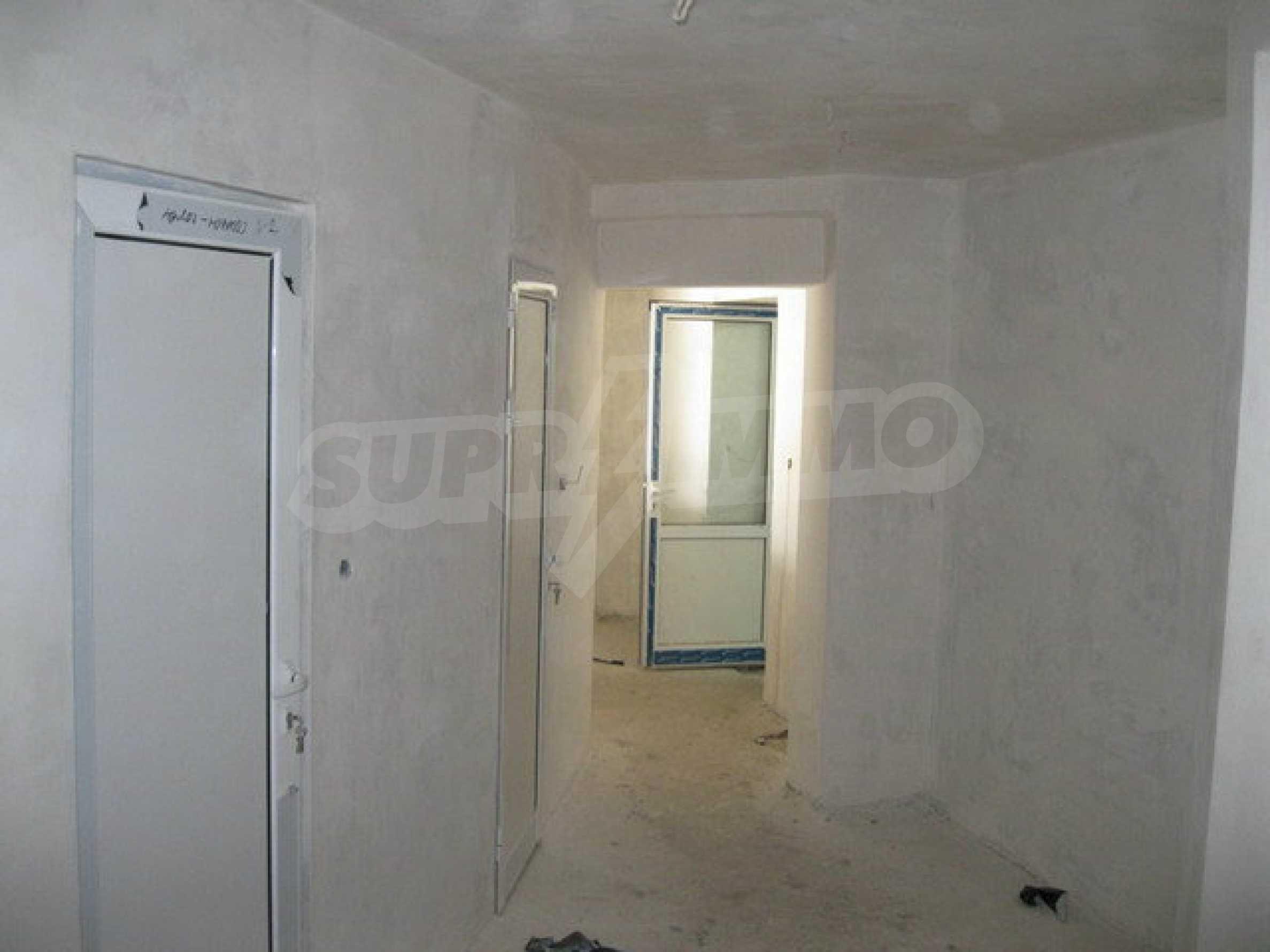 Бизнес имот на 3 етажа във Велико Търново 57