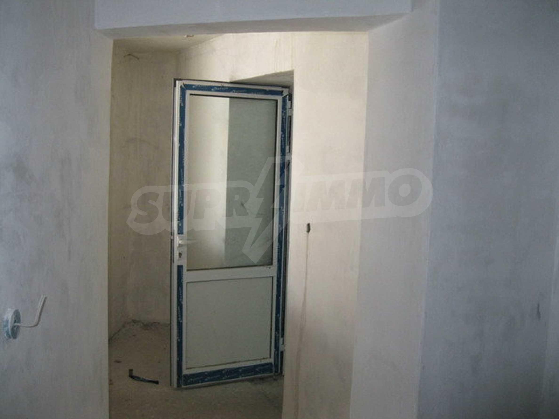 Бизнес имот на 3 етажа във Велико Търново 58