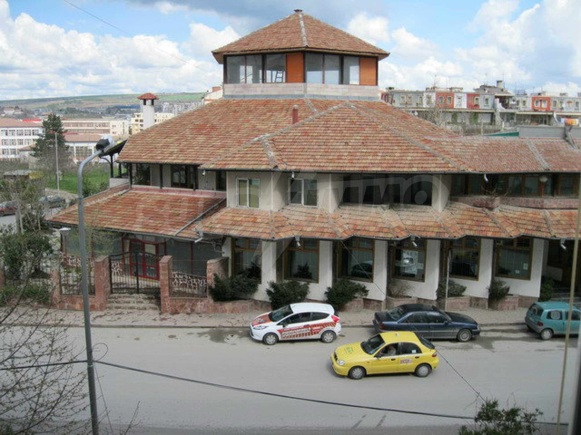 Бизнес имот на 3 етажа във Велико Търново 5