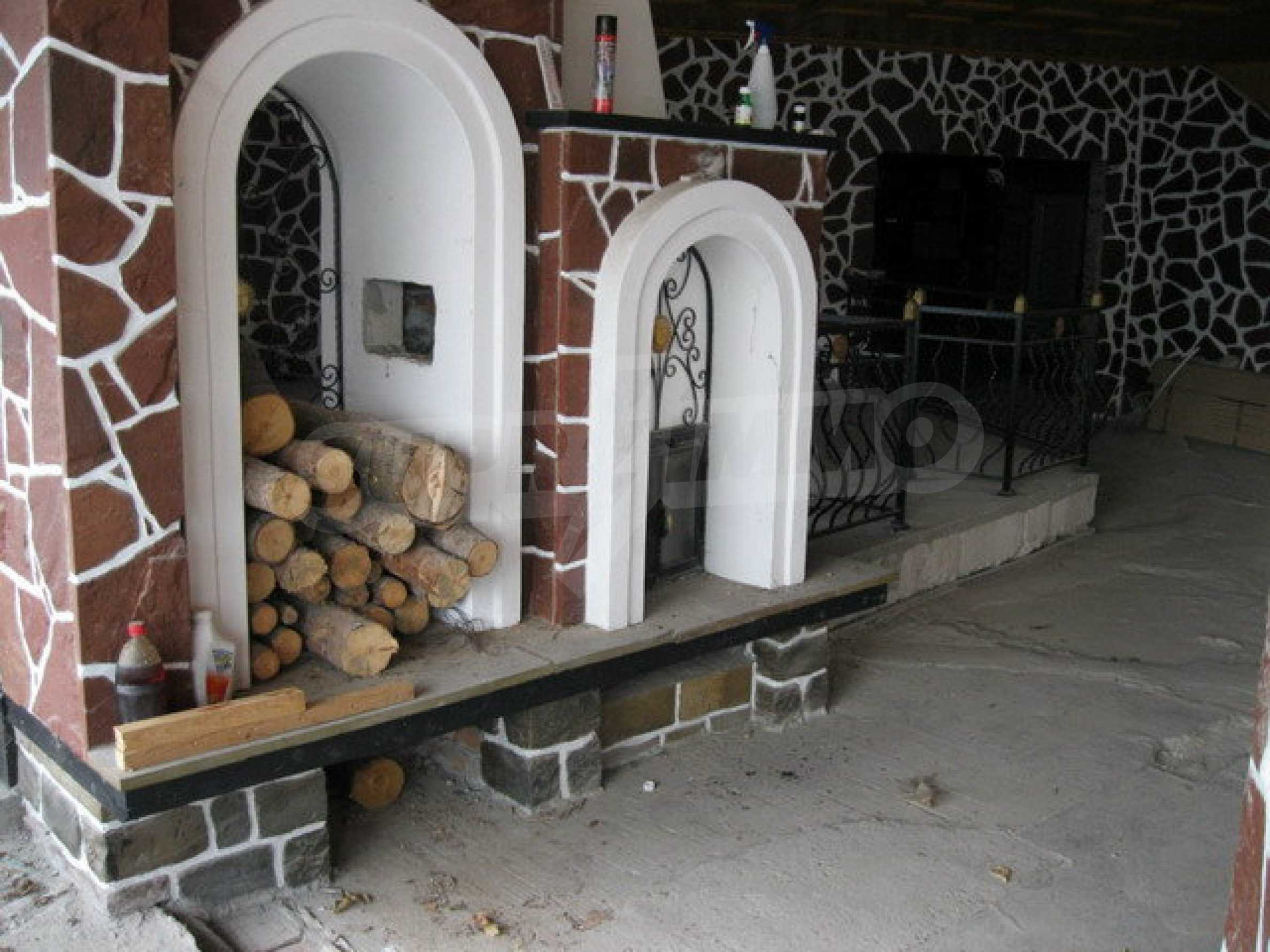 Бизнес имот на 3 етажа във Велико Търново 62
