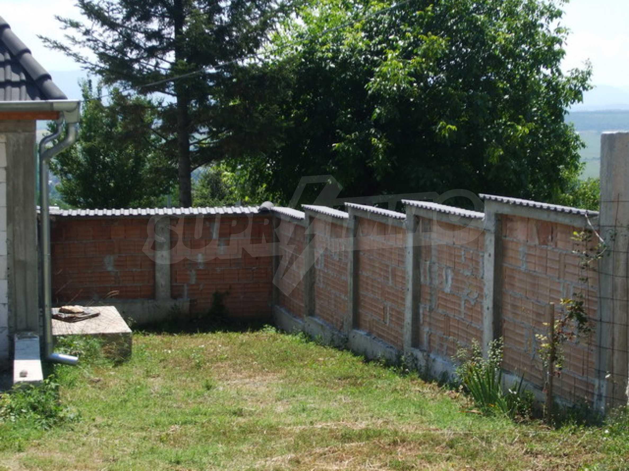 Новопостроена къща във вилната зона на град Севлиево 13