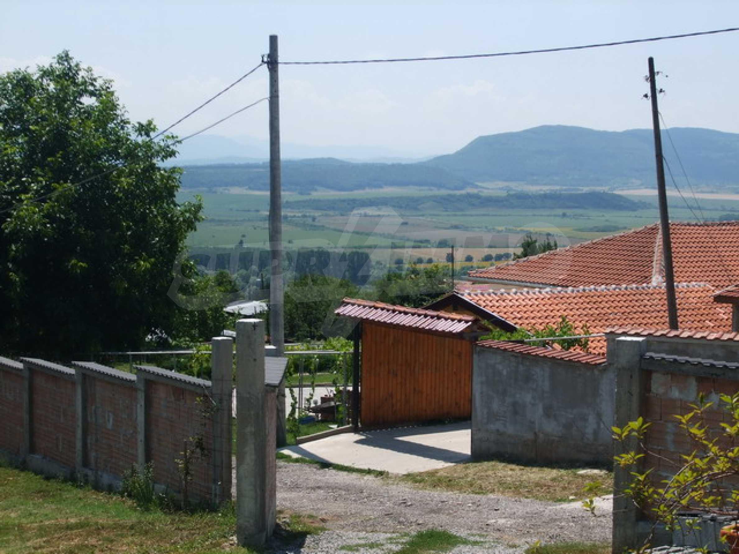 Новопостроена къща във вилната зона на град Севлиево 14