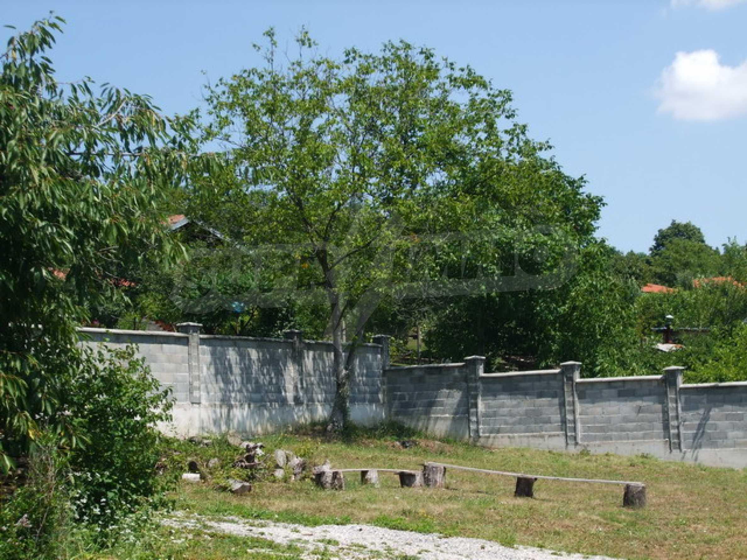 Новопостроена къща във вилната зона на град Севлиево 15
