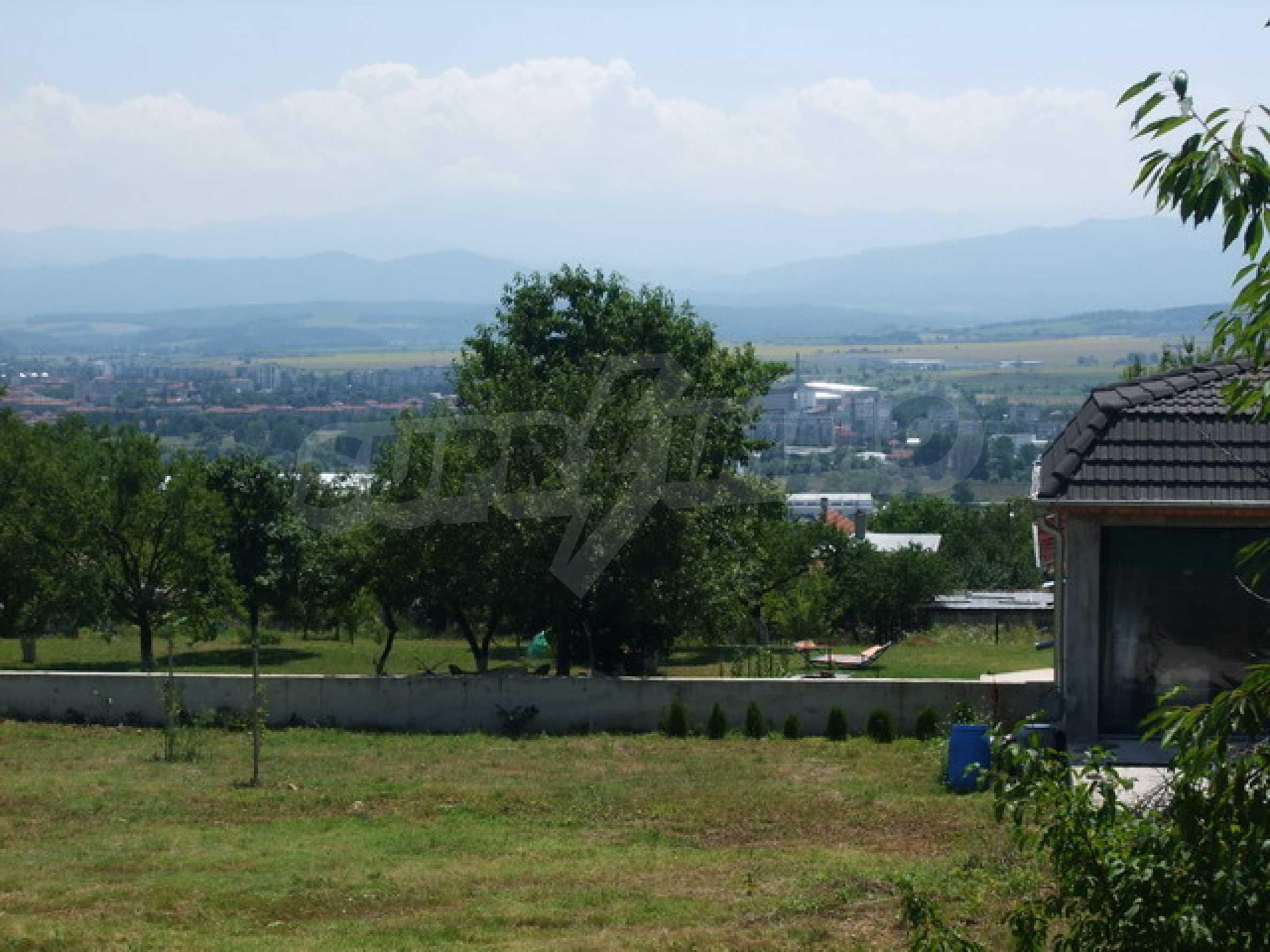 Новопостроена къща във вилната зона на град Севлиево 16