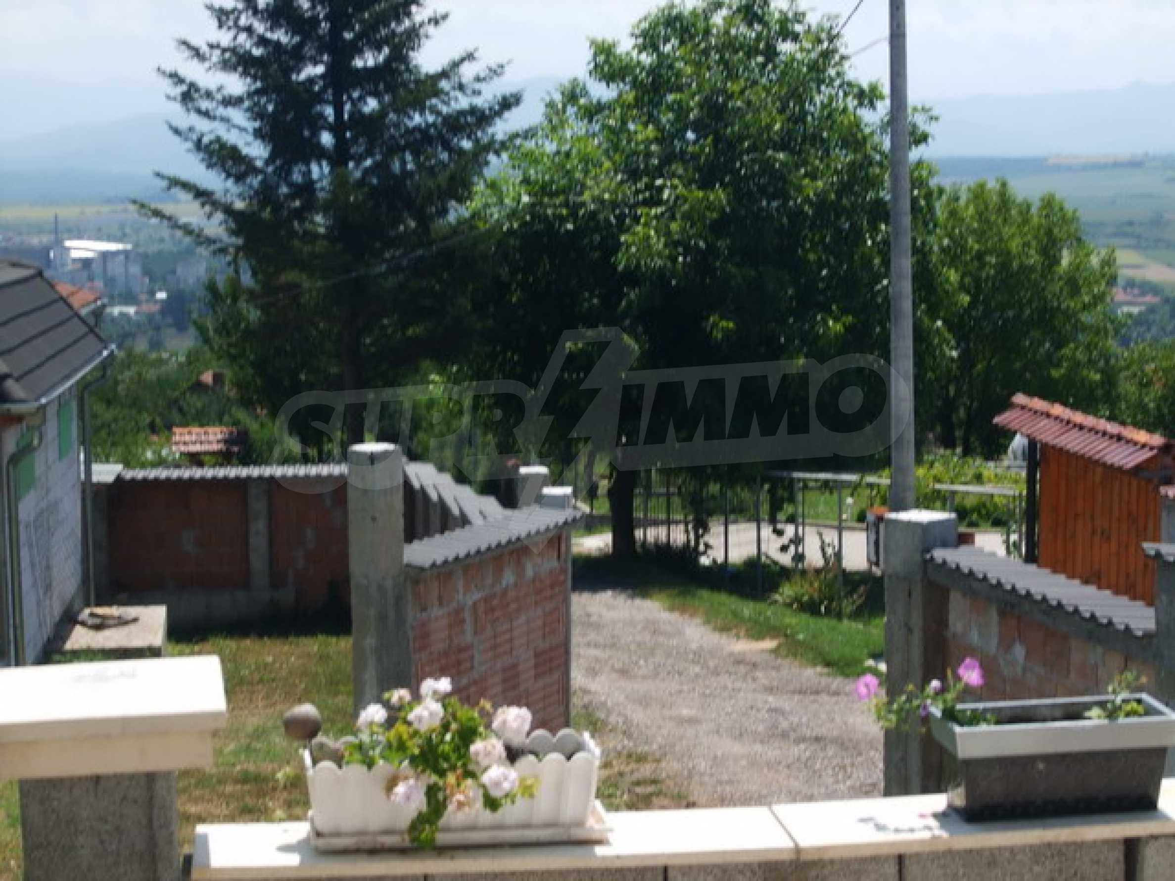 Новопостроена къща във вилната зона на град Севлиево 18