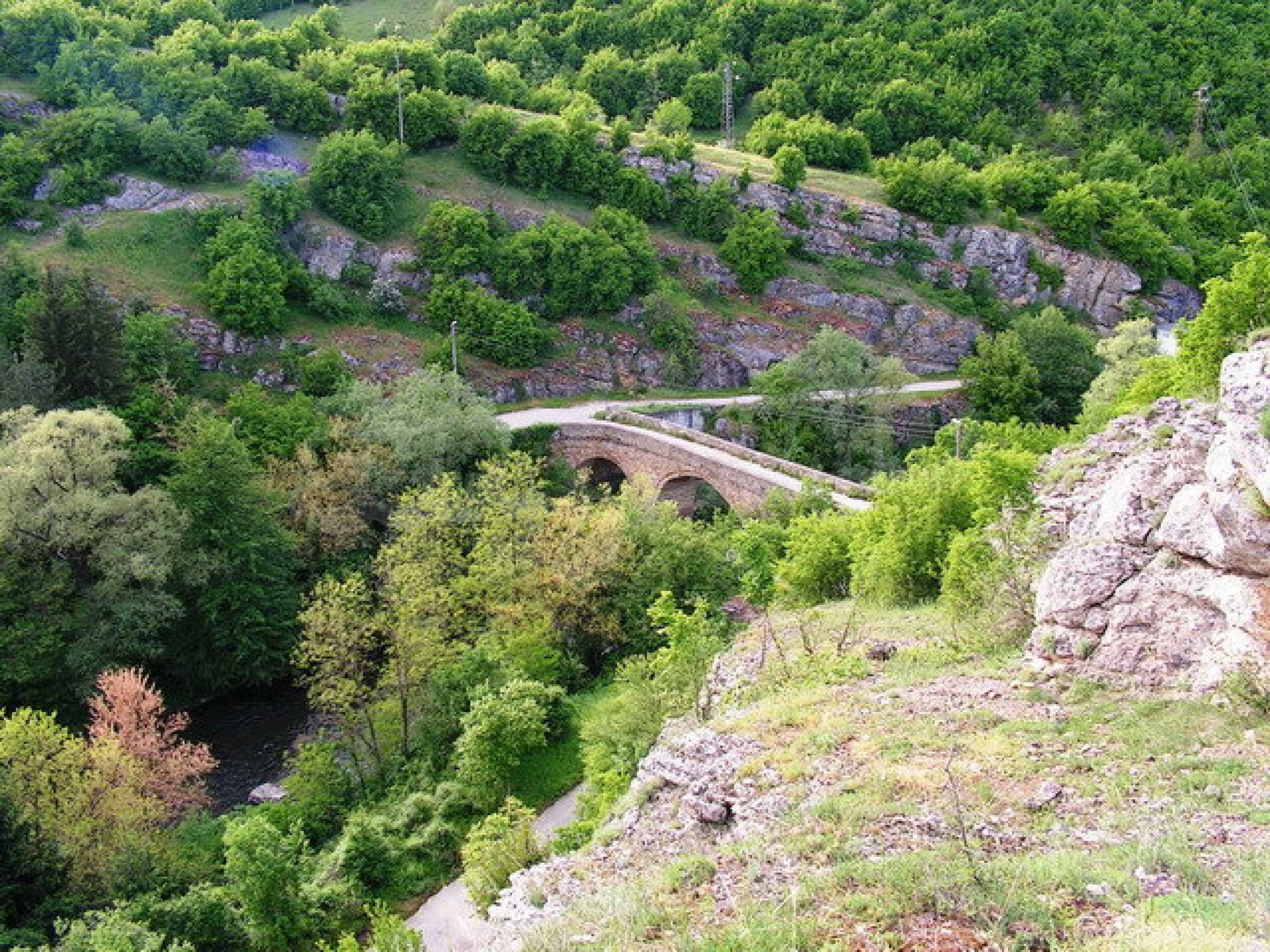 Парцел в регулация в село на главен път София – Варна 6