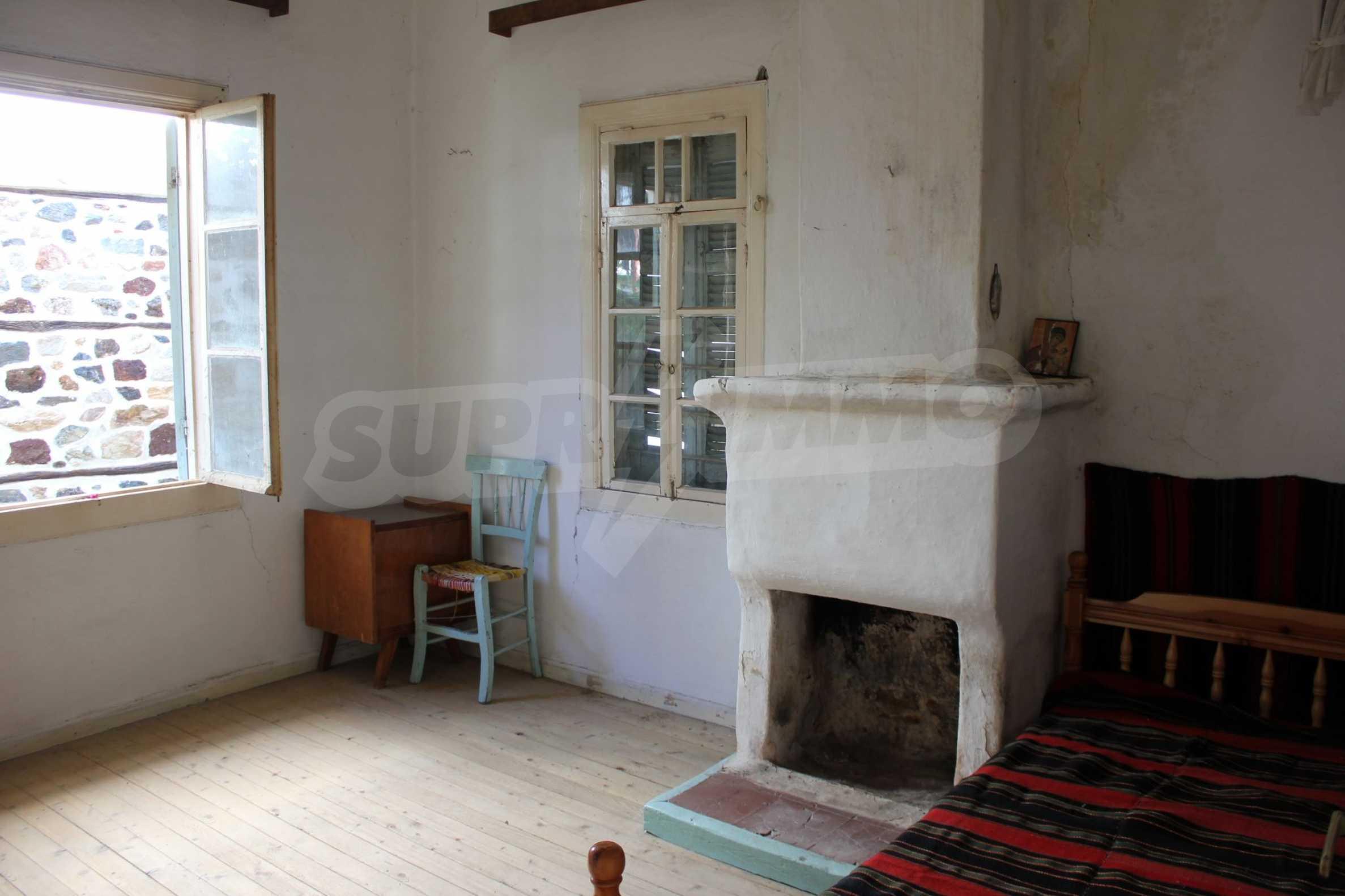 Къща  в  Стратони 13