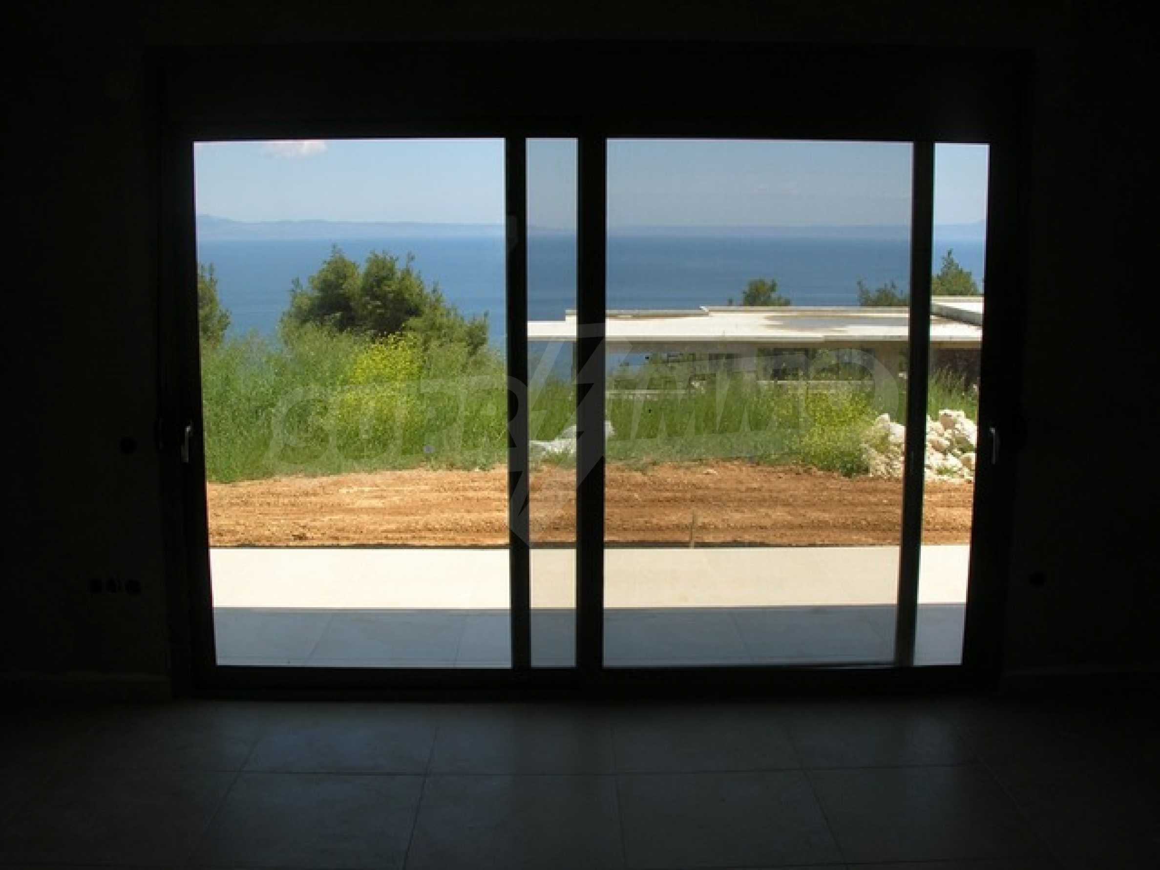 Къща с гледка към морето 2
