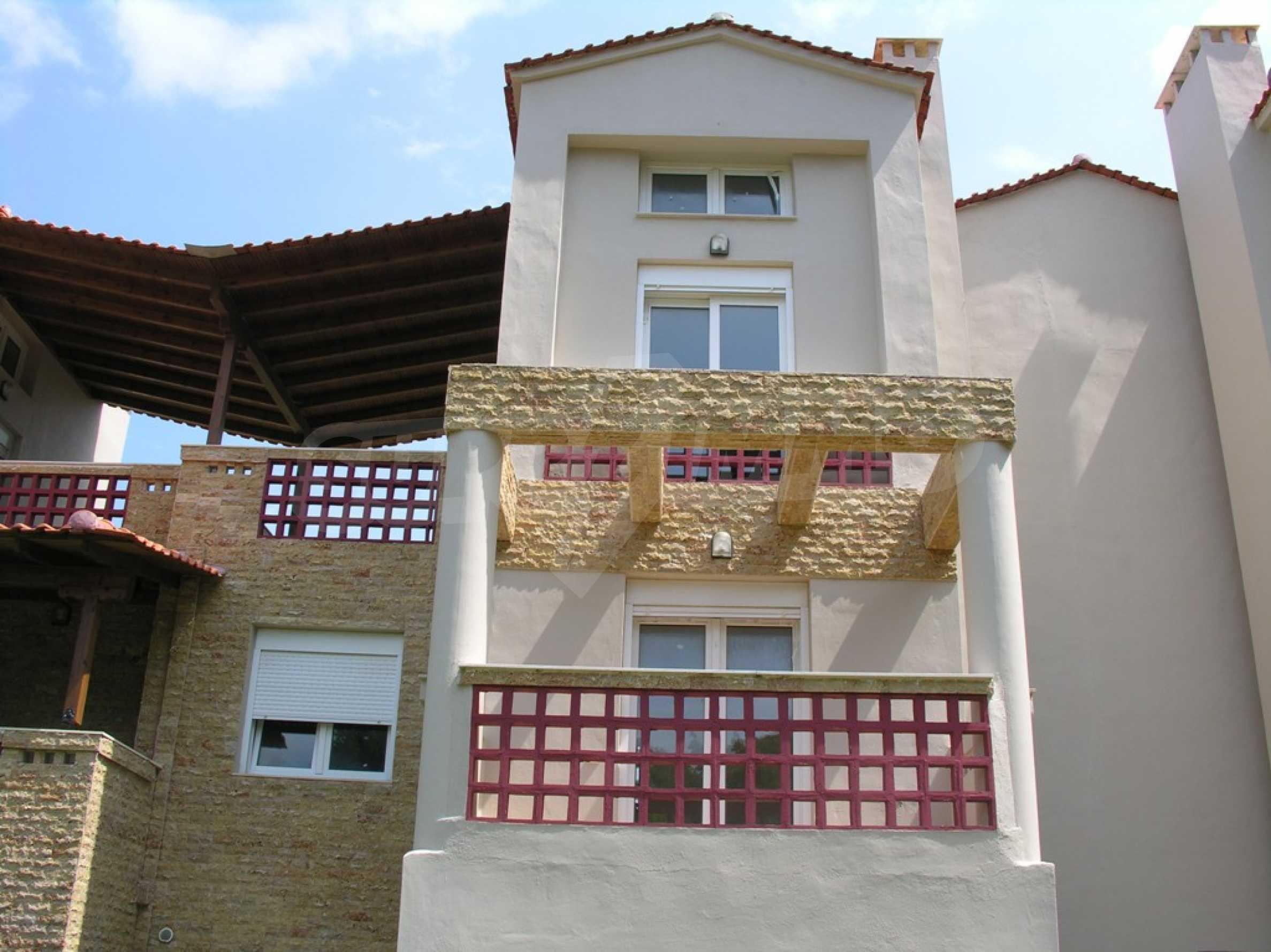 Къща  в  Посиди 3