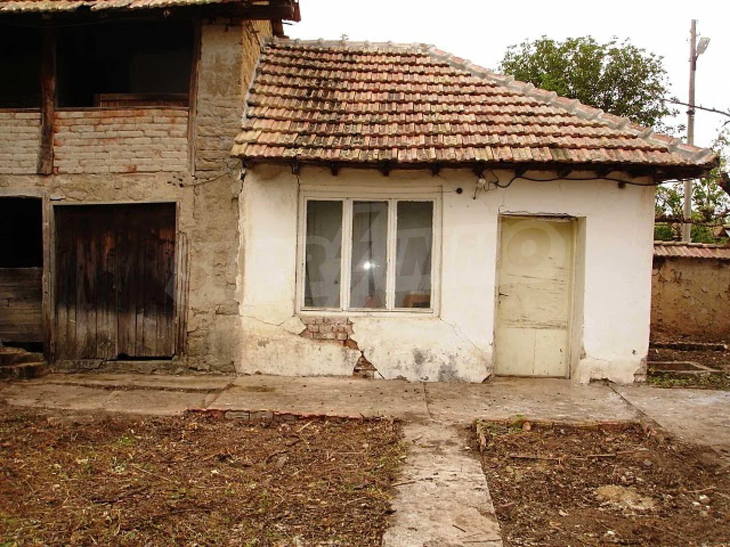 Селска къща в развито село 9