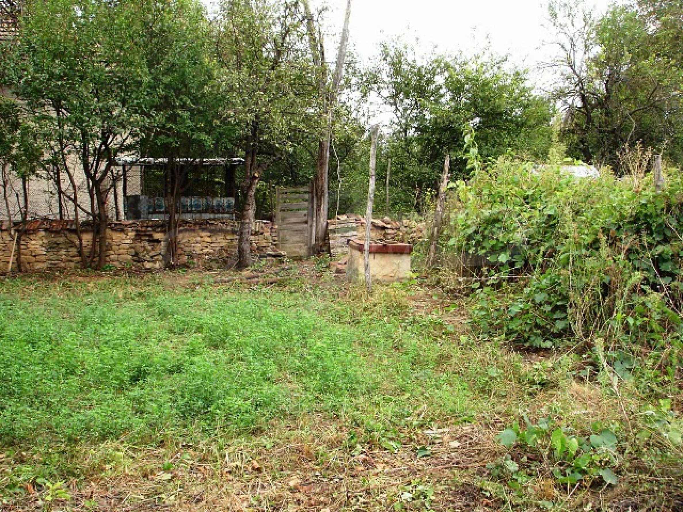 Селска къща в развито село 12