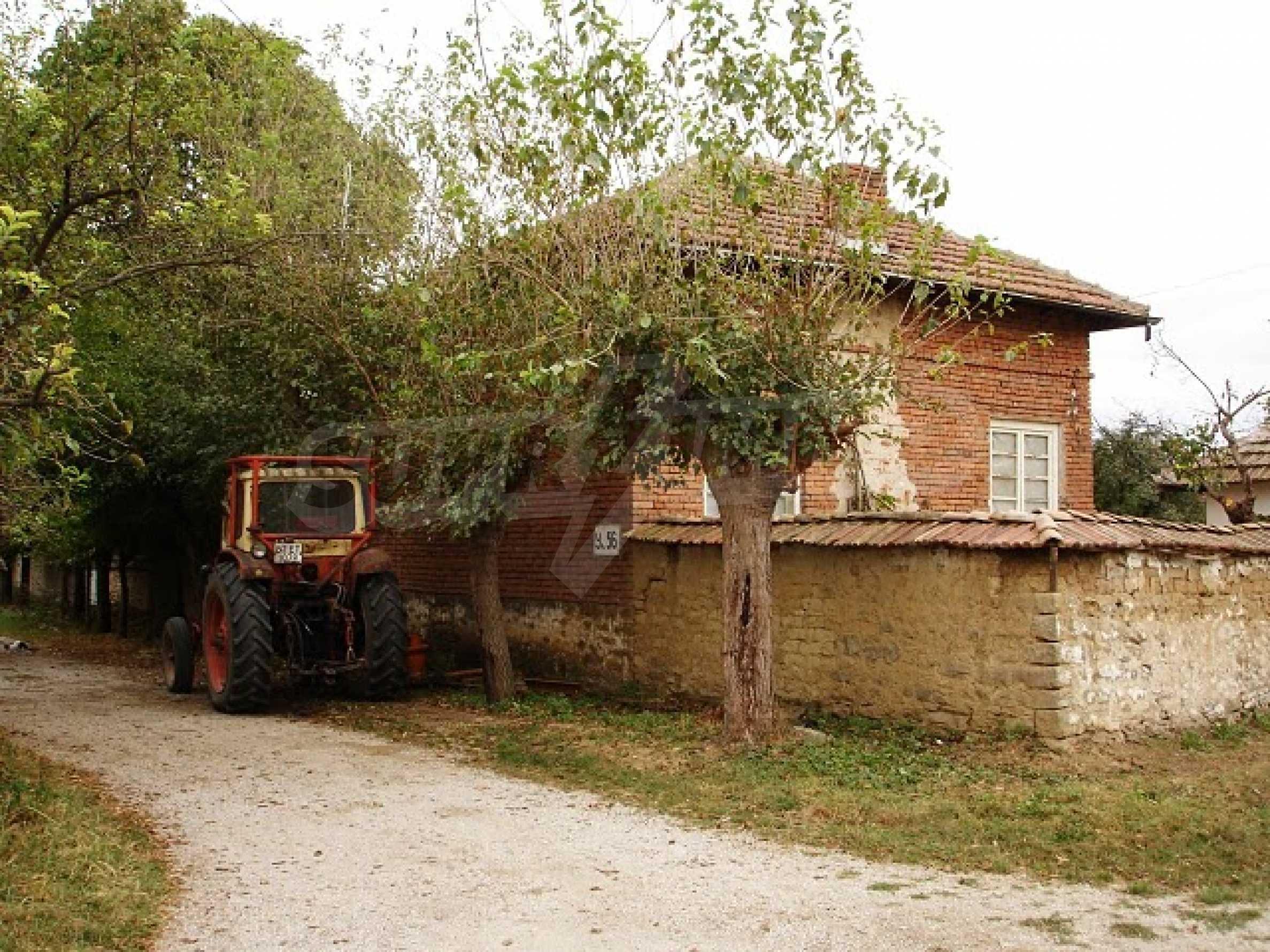 Селска къща в развито село 18