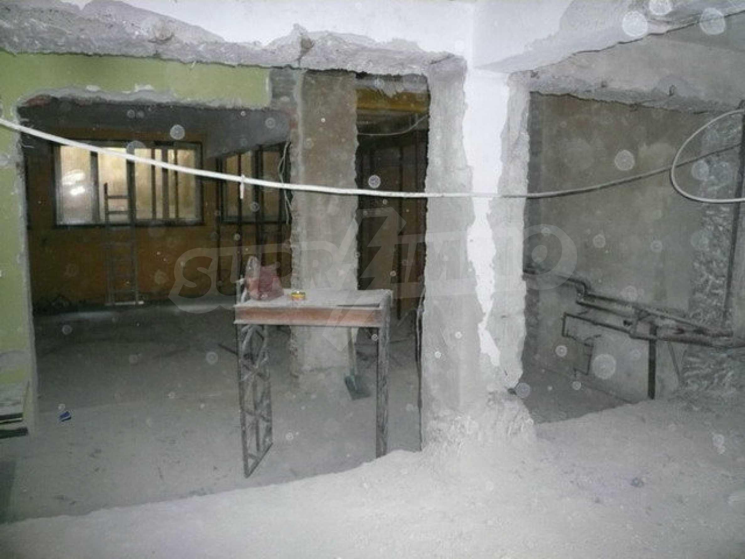 Коммерческое помещение в центре города Велико Тырново  9