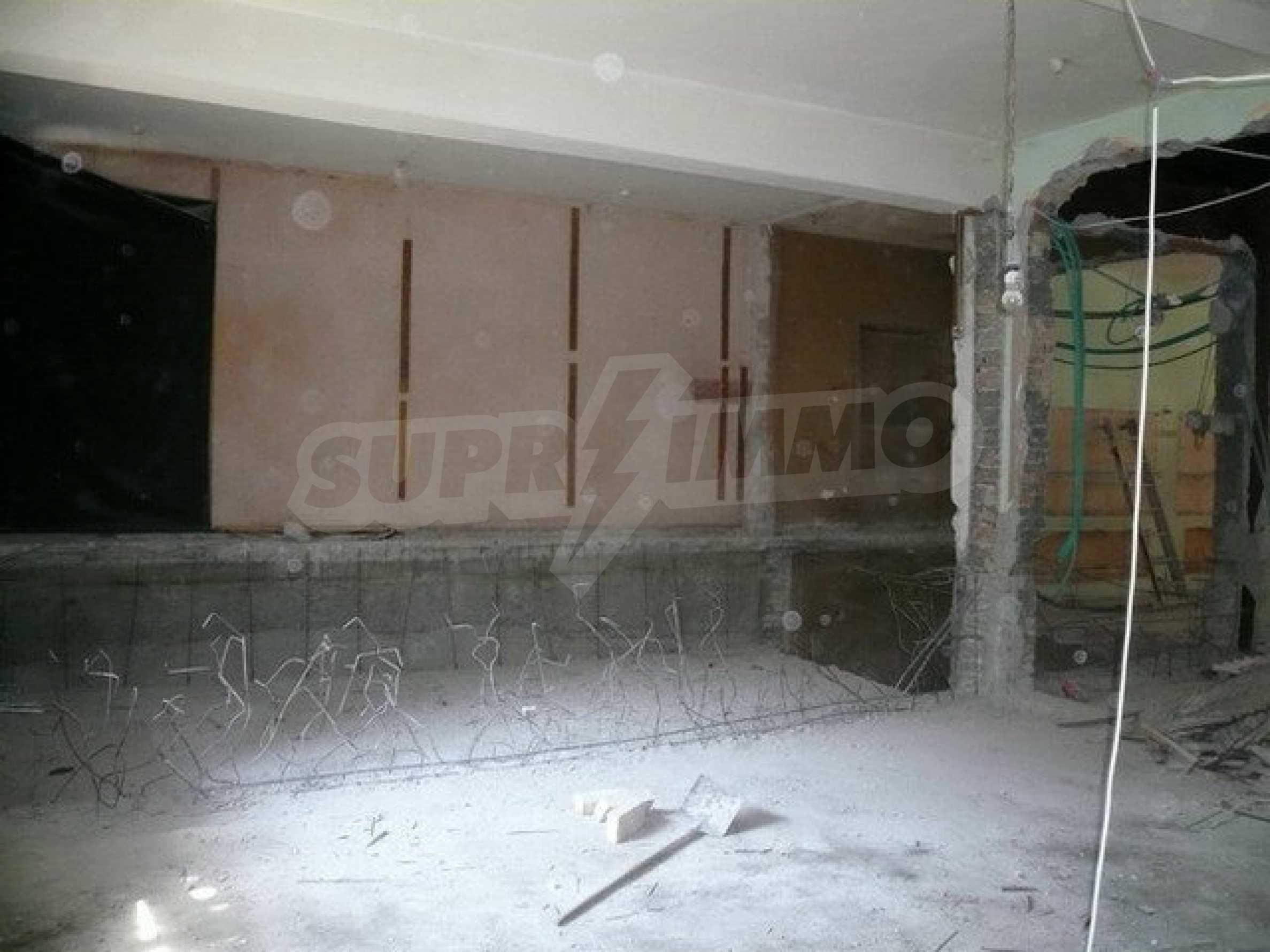 Коммерческое помещение в центре города Велико Тырново  10