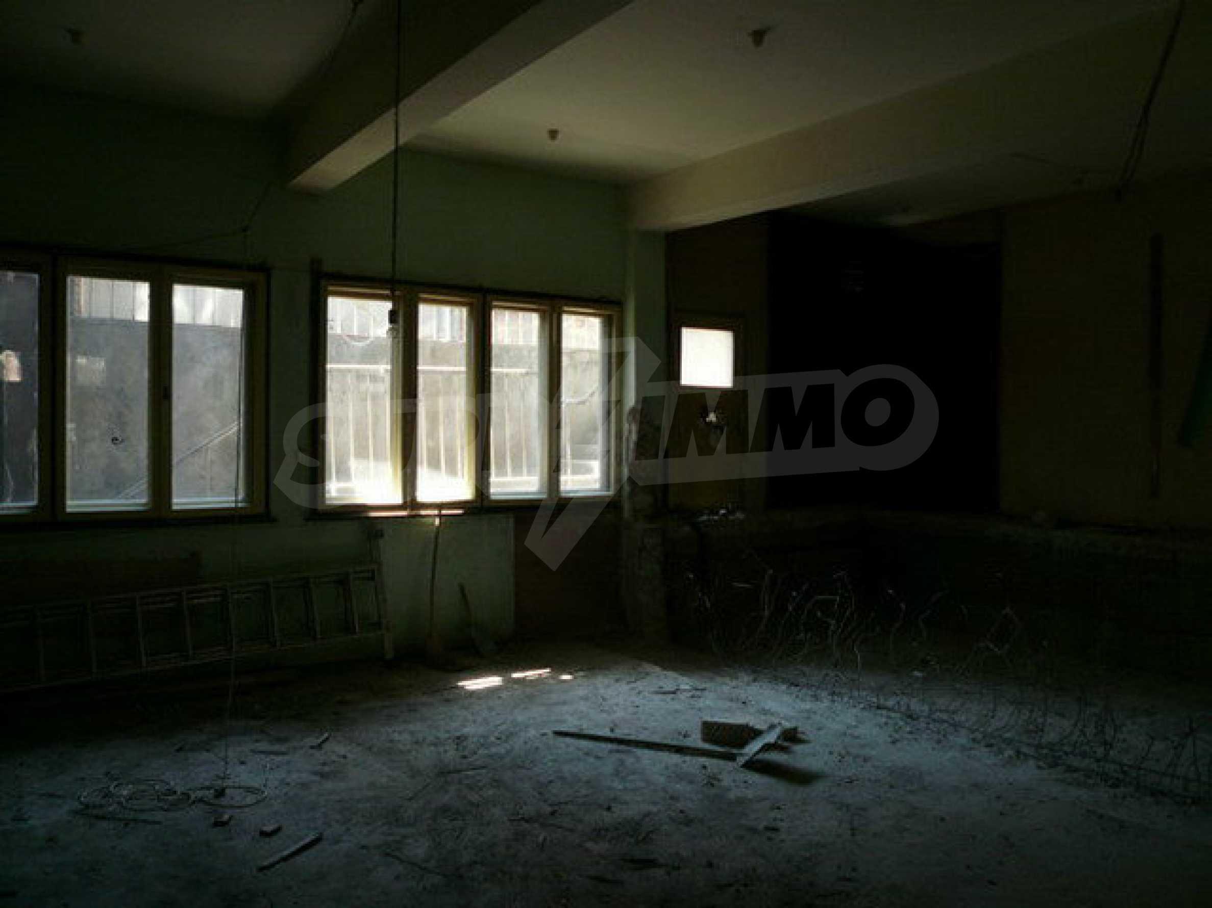 Коммерческое помещение в центре города Велико Тырново  11