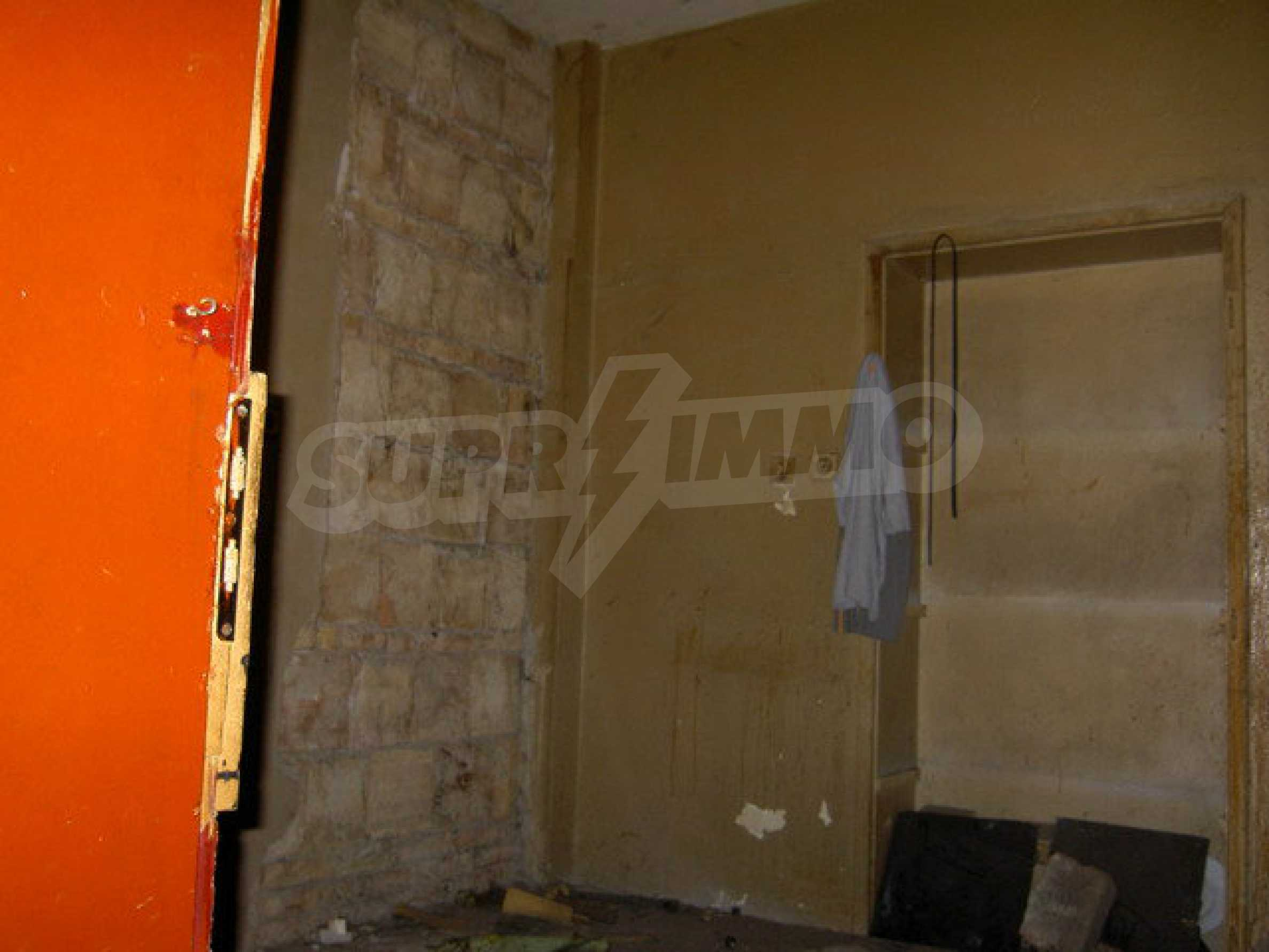 Коммерческое помещение в центре города Велико Тырново  14