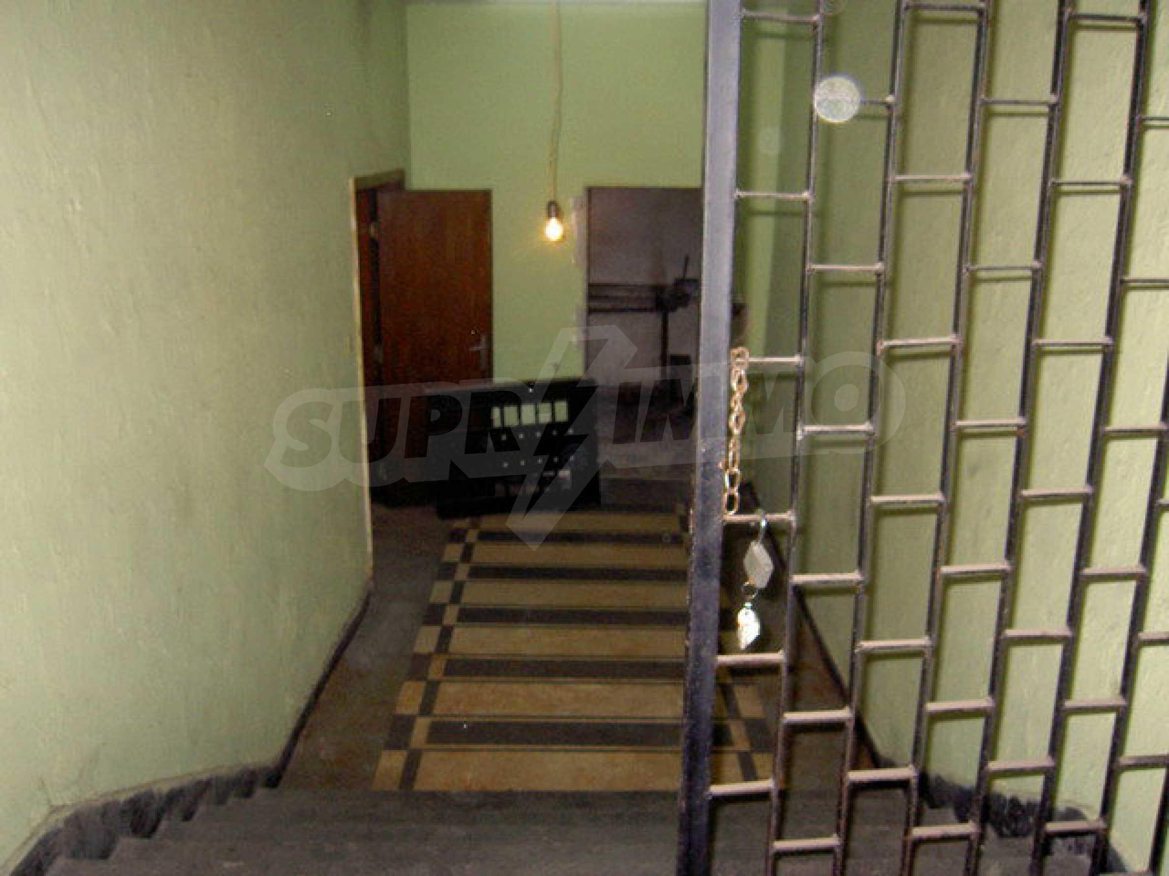 Коммерческое помещение в центре города Велико Тырново  16
