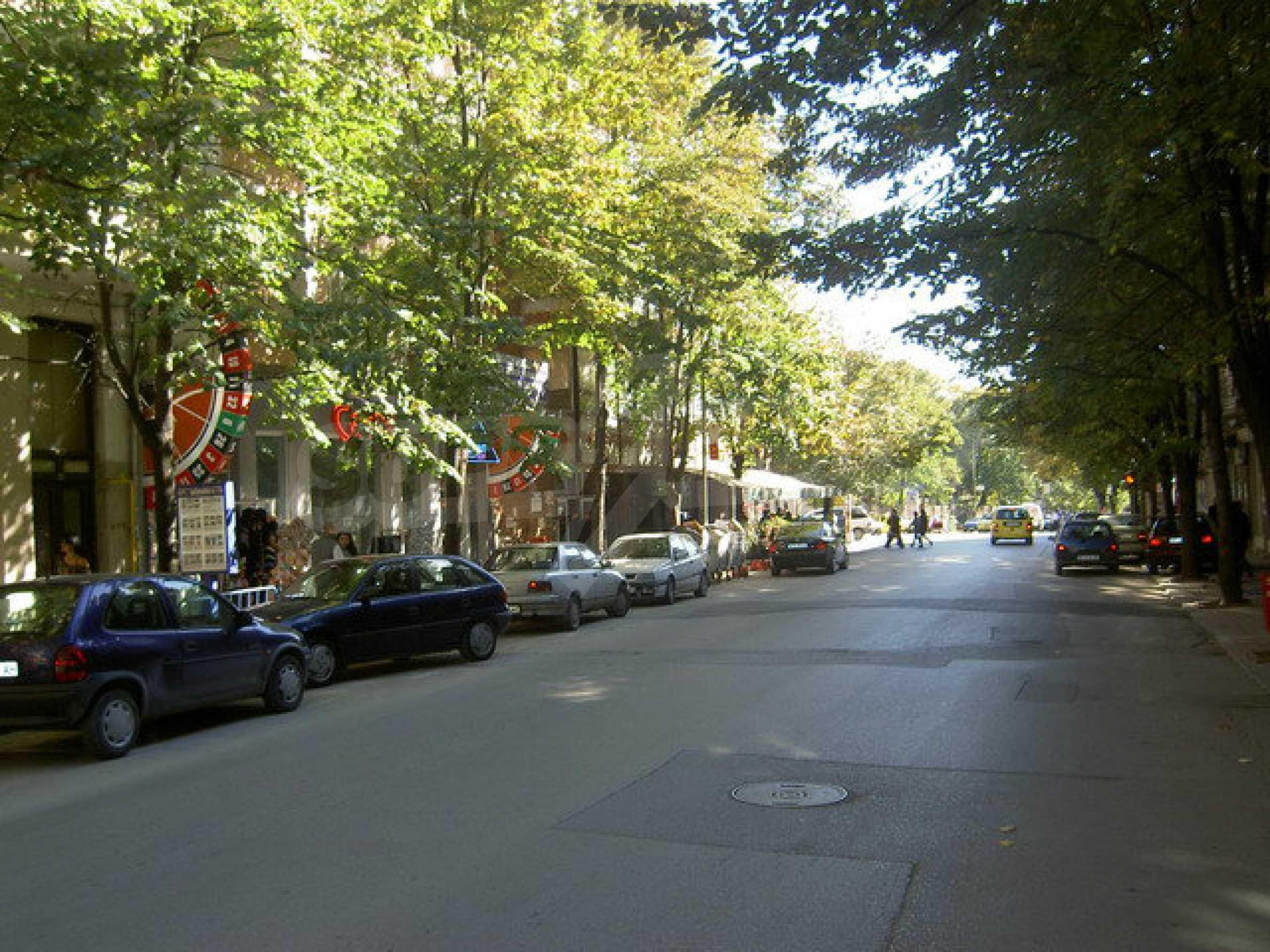 Коммерческое помещение в центре города Велико Тырново  1