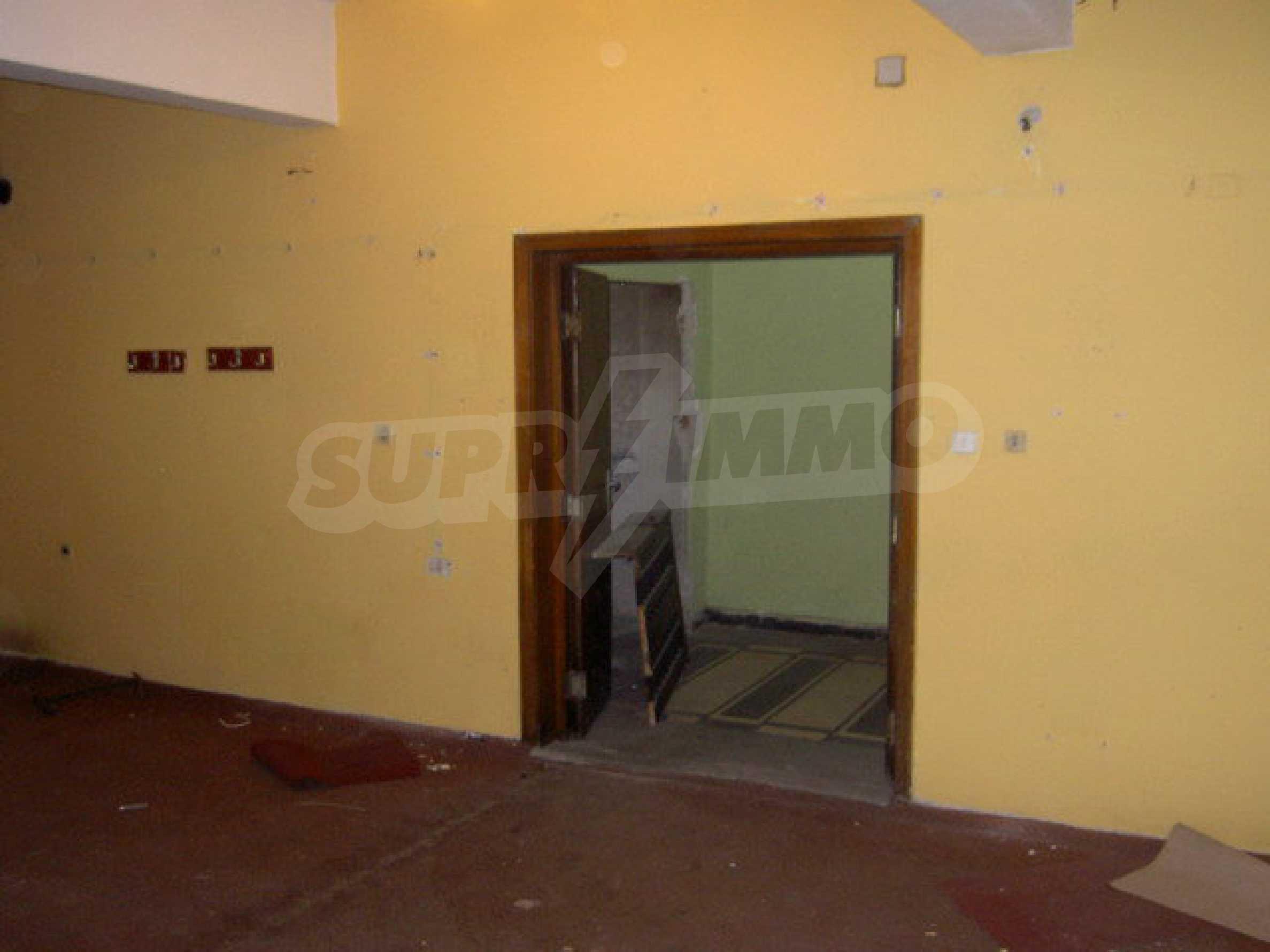 Коммерческое помещение в центре города Велико Тырново  19