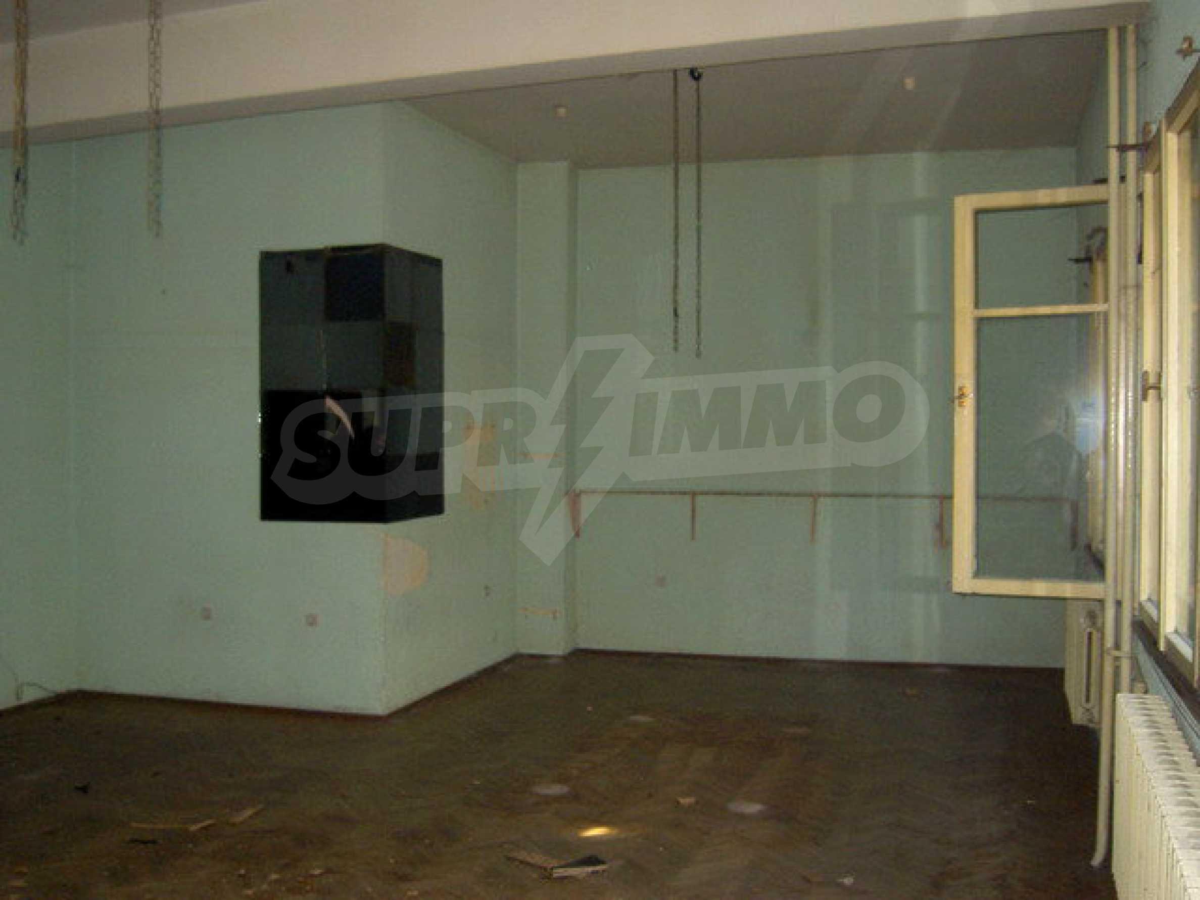 Коммерческое помещение в центре города Велико Тырново  2