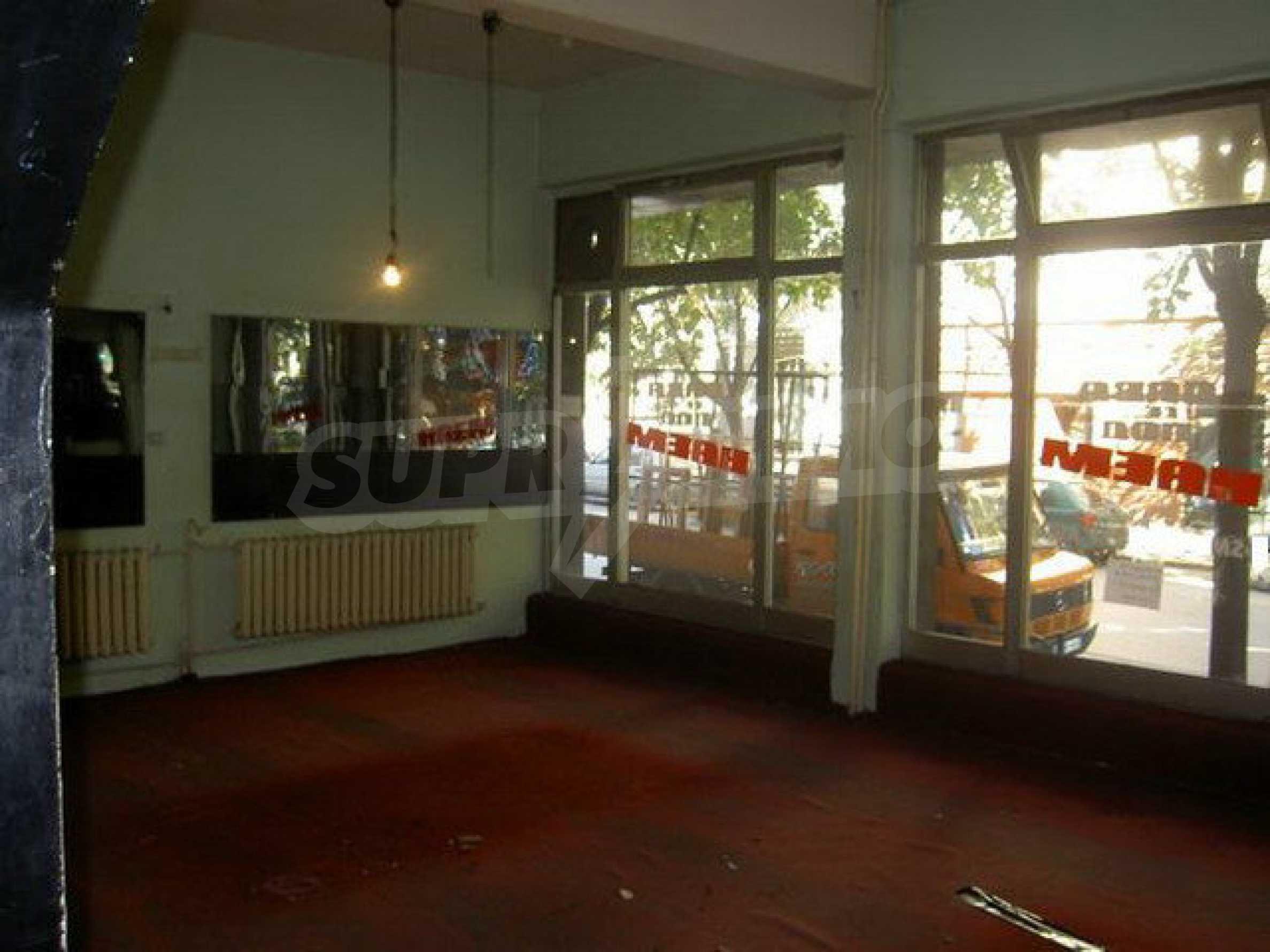 Коммерческое помещение в центре города Велико Тырново  3
