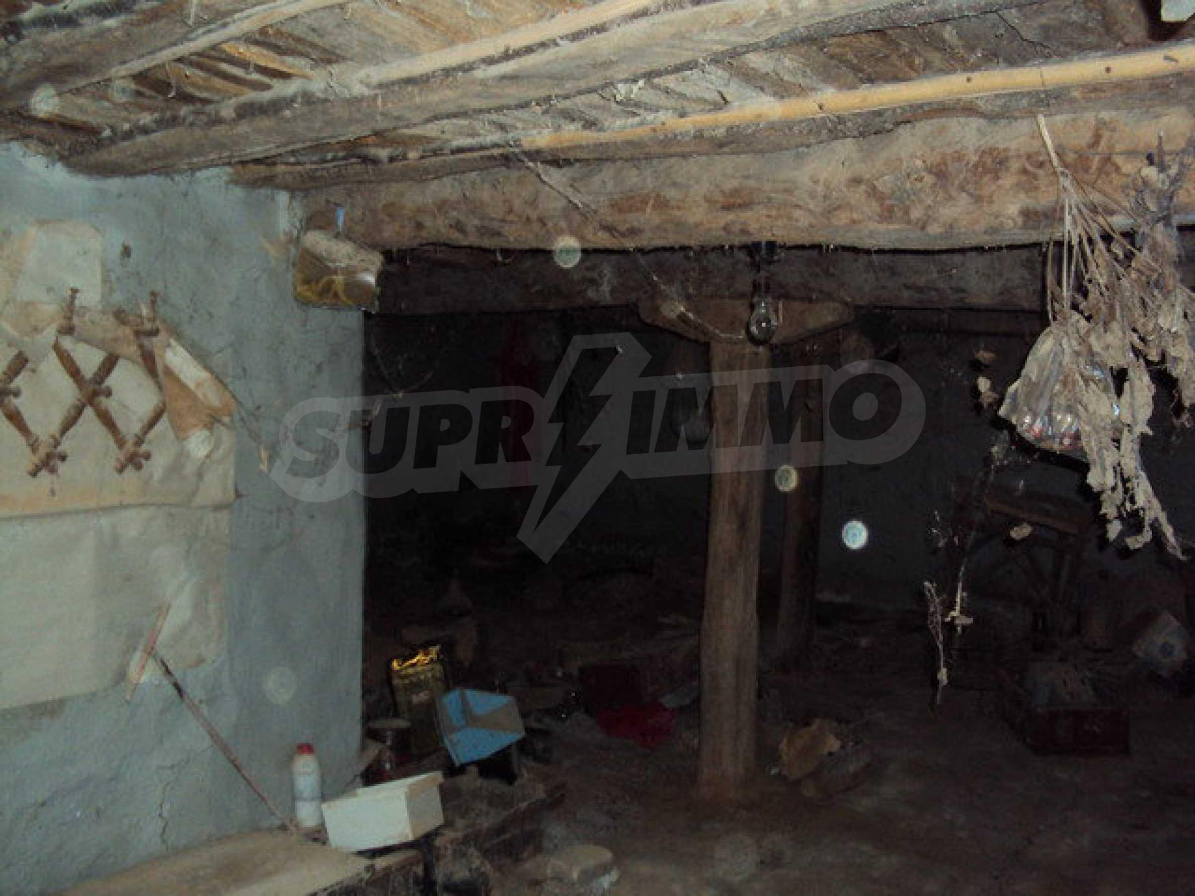 Къща с двор в село на 25 км. от Велико Търново 19