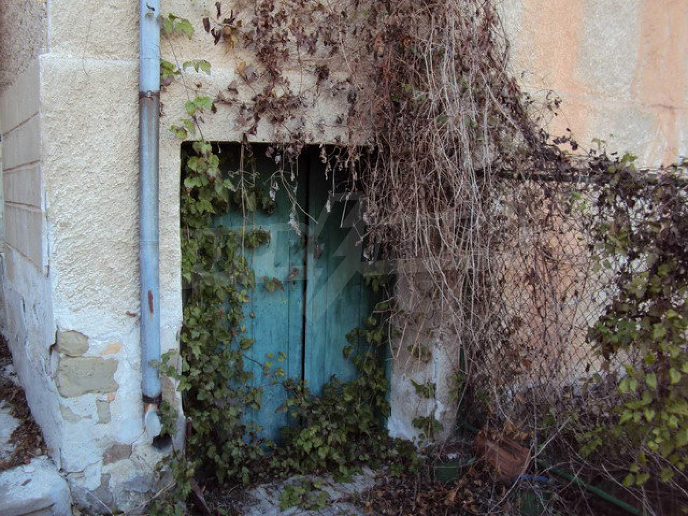 Къща с двор в село на 25 км. от Велико Търново 21