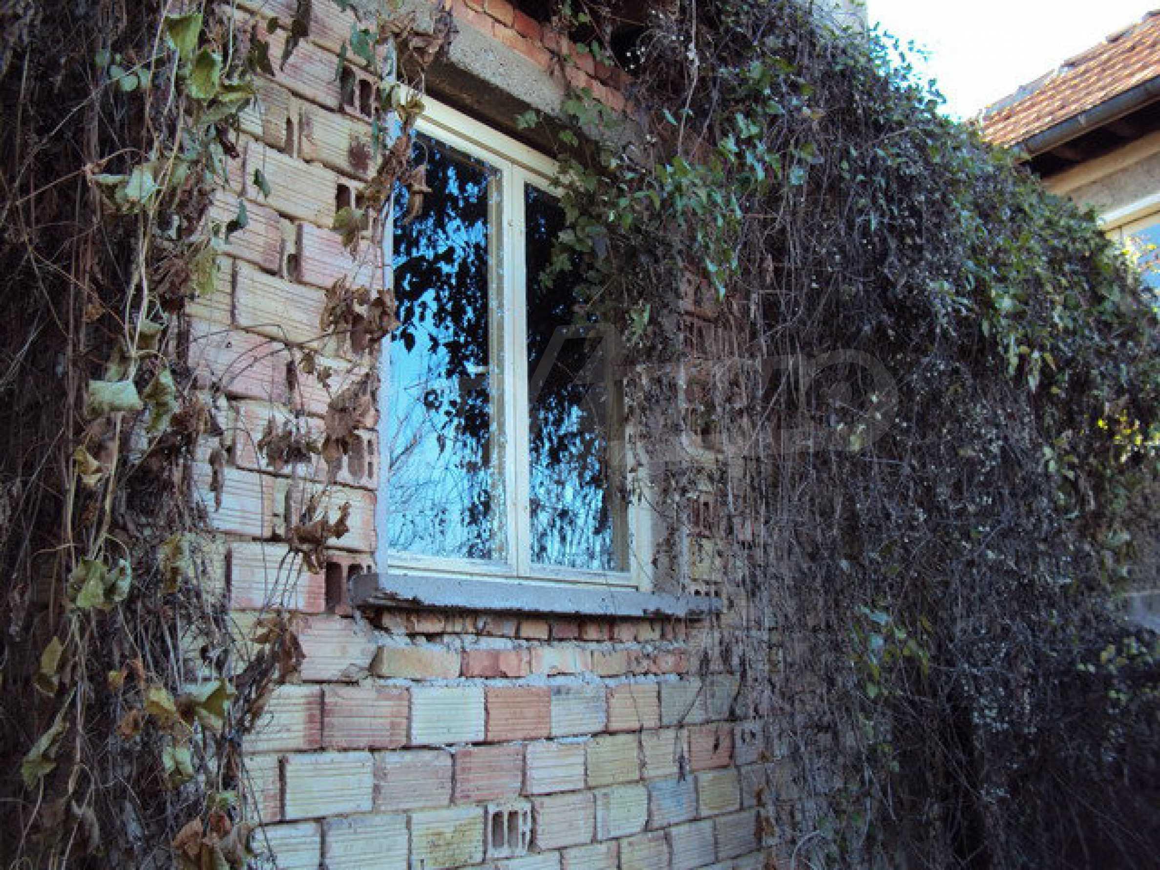 Къща с двор в село на 25 км. от Велико Търново 26