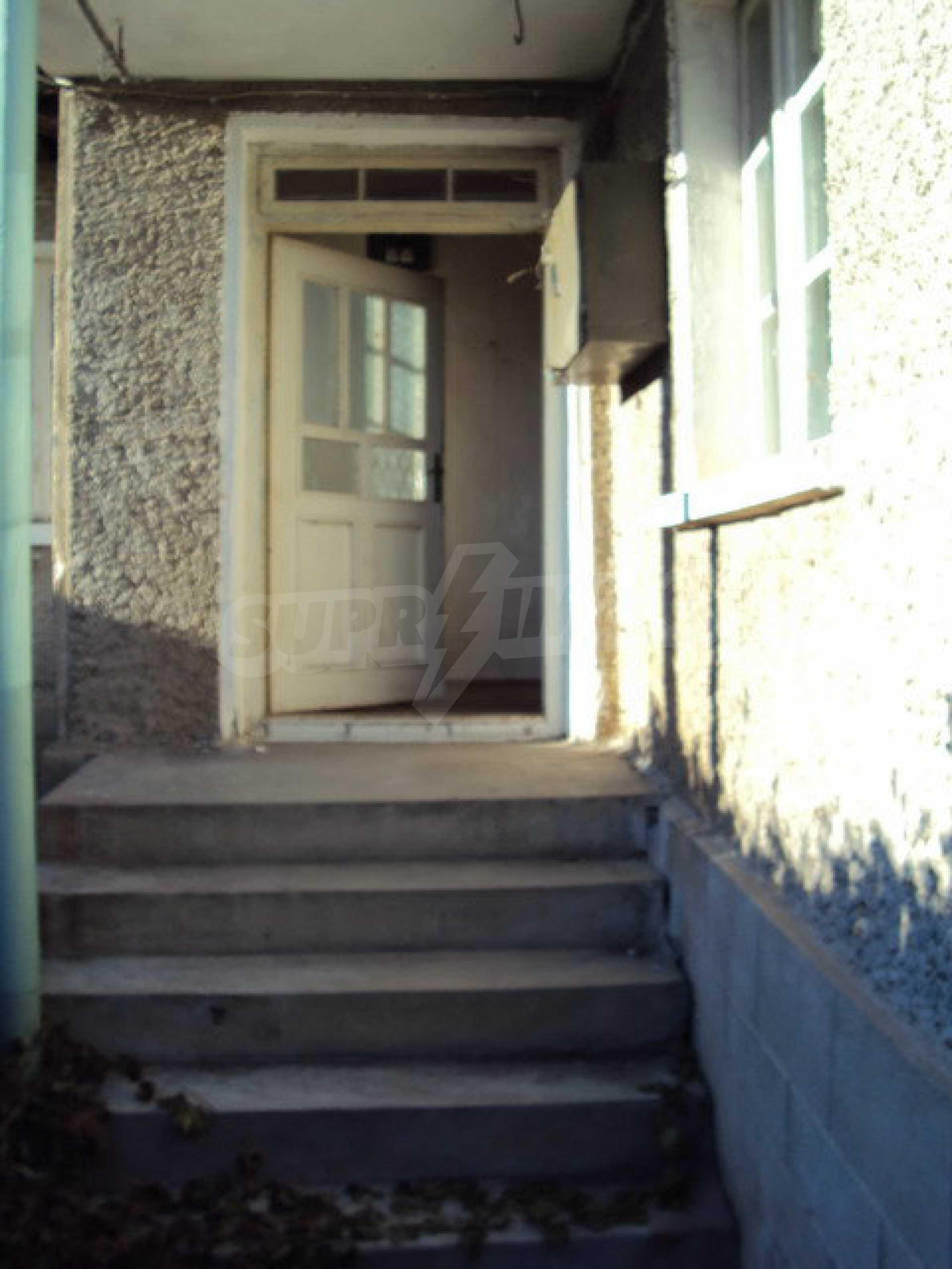 Къща с двор в село на 25 км. от Велико Търново 3