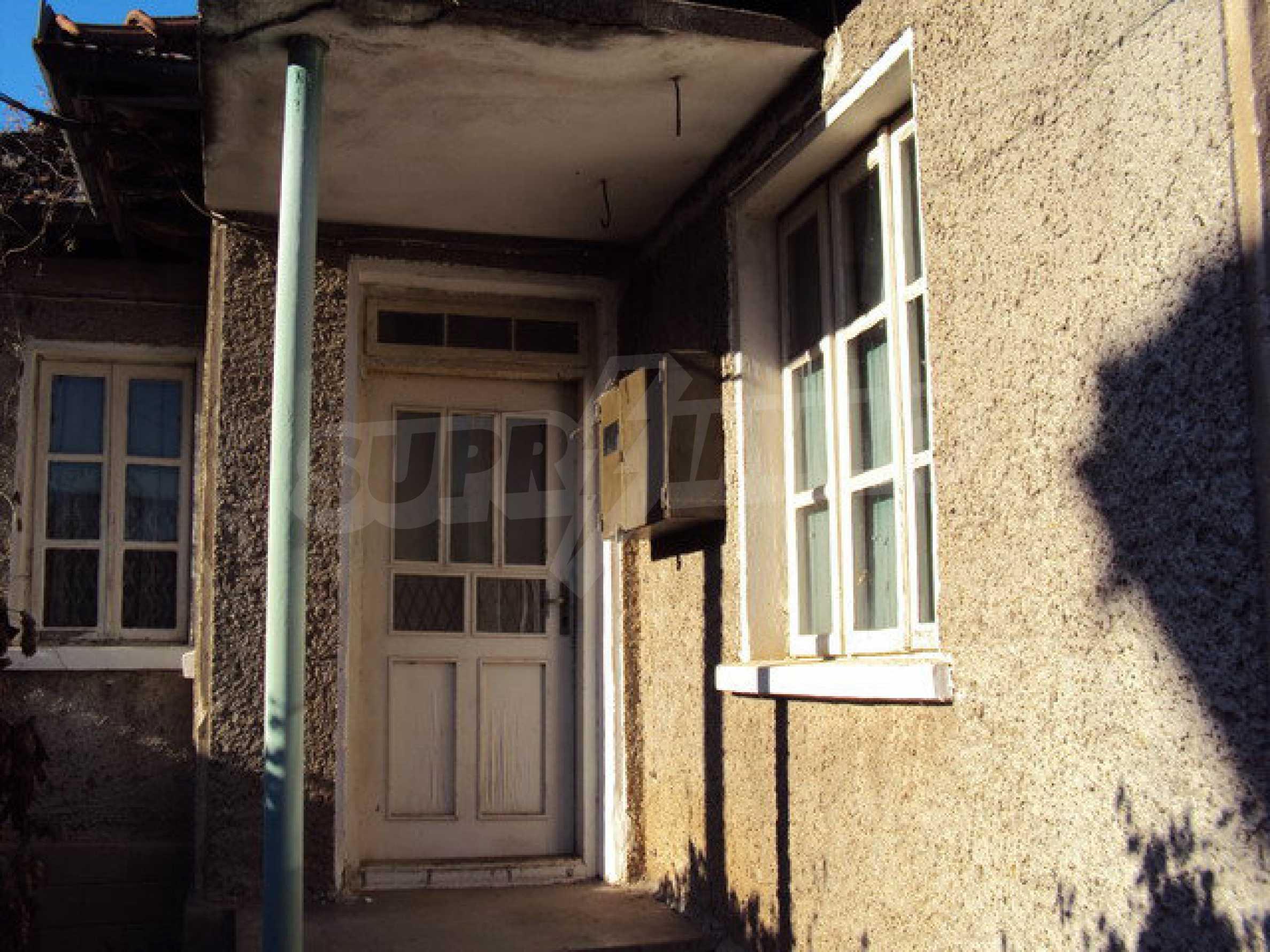 Къща с двор в село на 25 км. от Велико Търново 4
