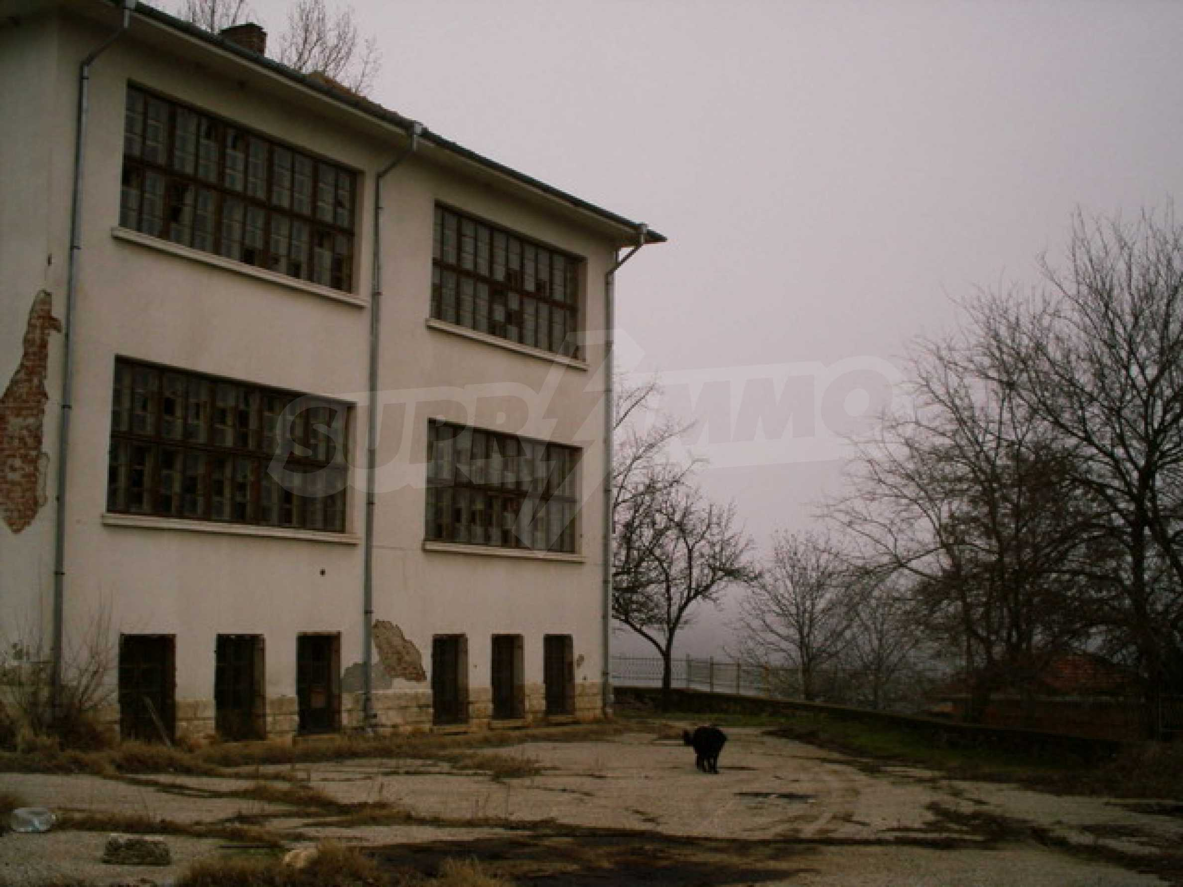Building for sale 25 km from Ruse