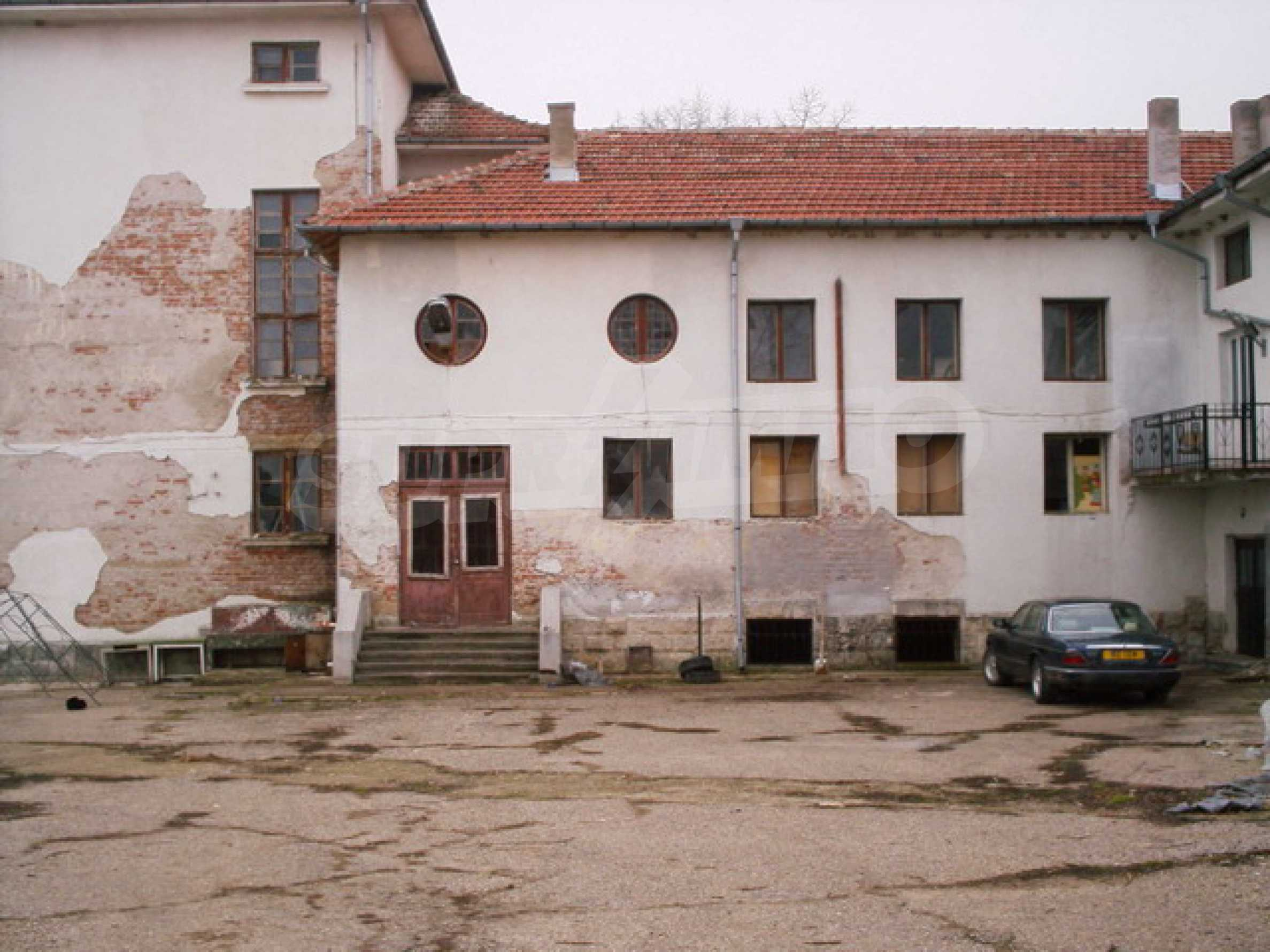 Building for sale 25 km from Ruse 1