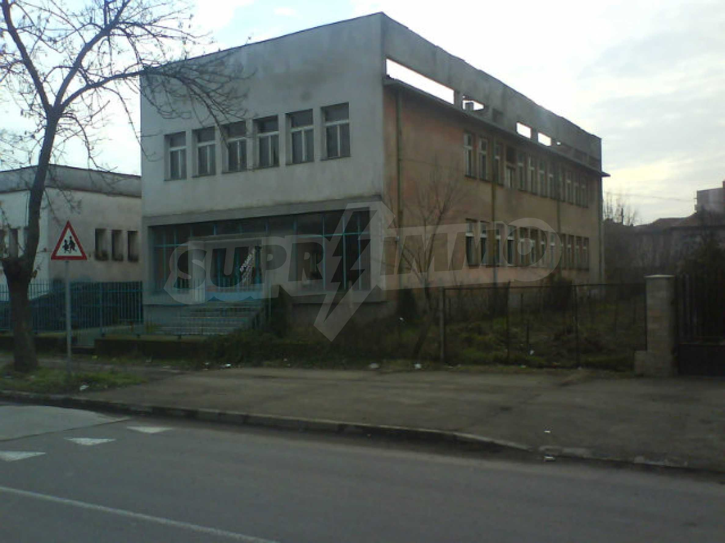 Производствена сграда за продажба в гр. Любимец 1