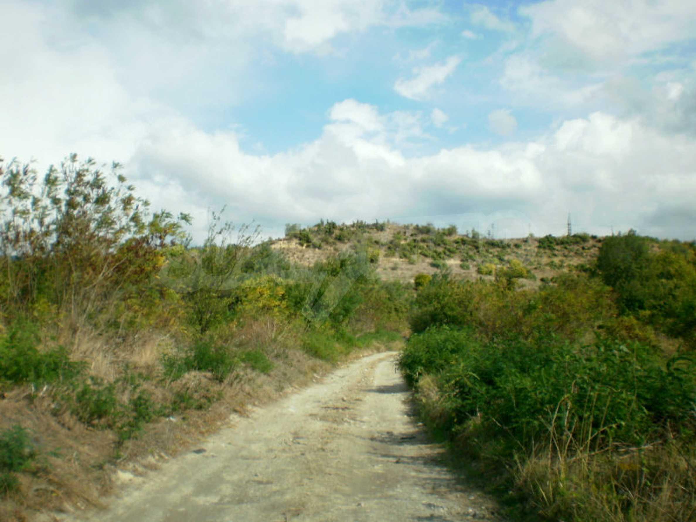 Участок возле Градешки минеральных источников  1