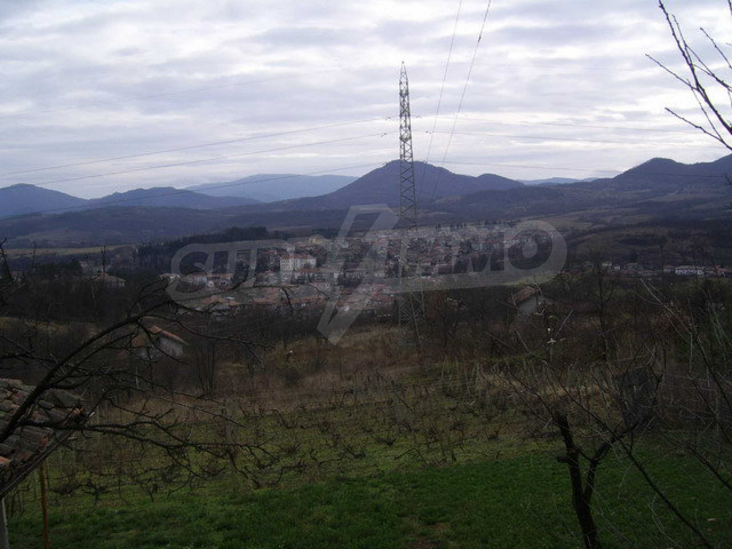 Grundstück in der Villenzone von Elena