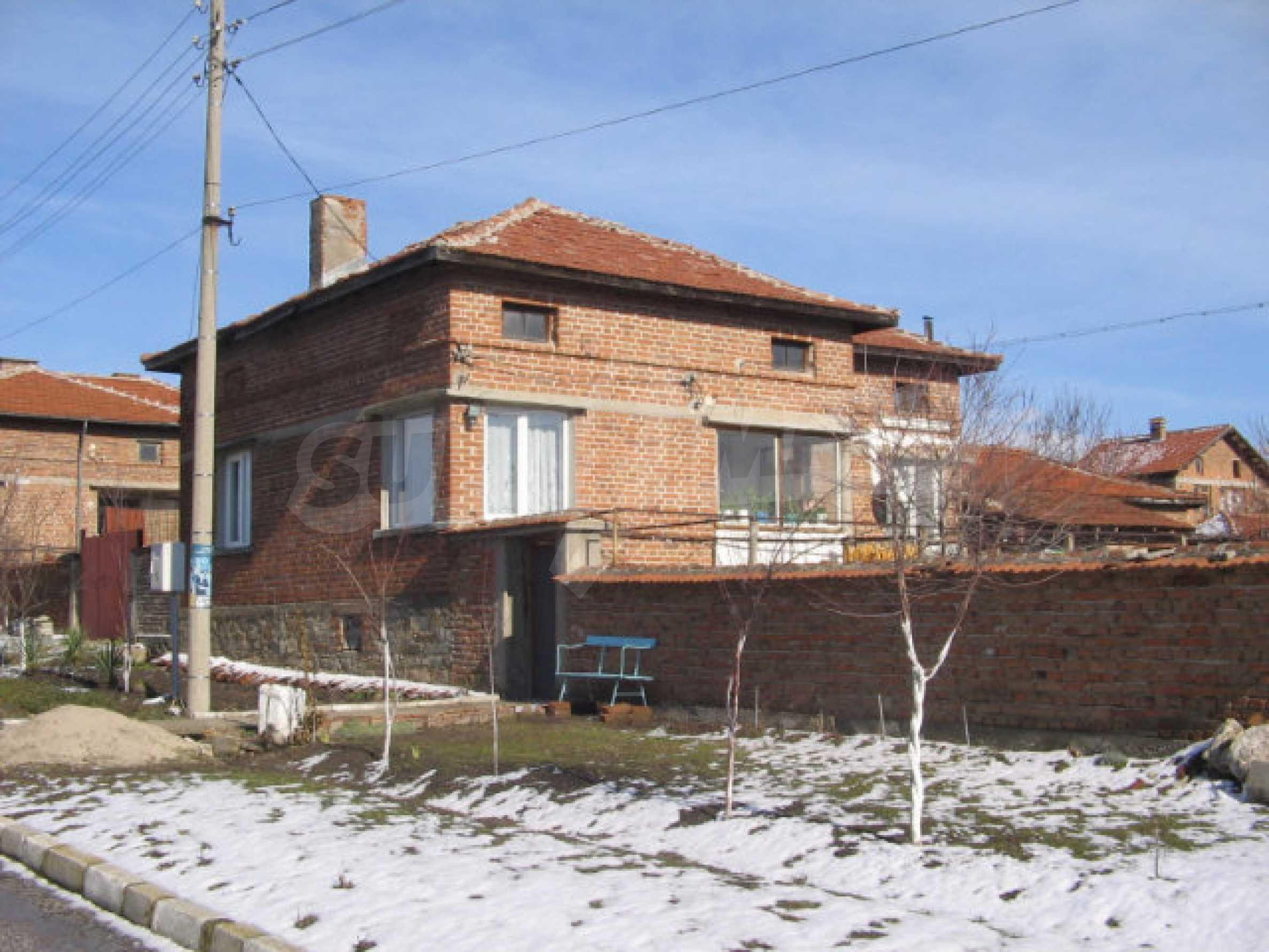 Дом возле города Хасково 1