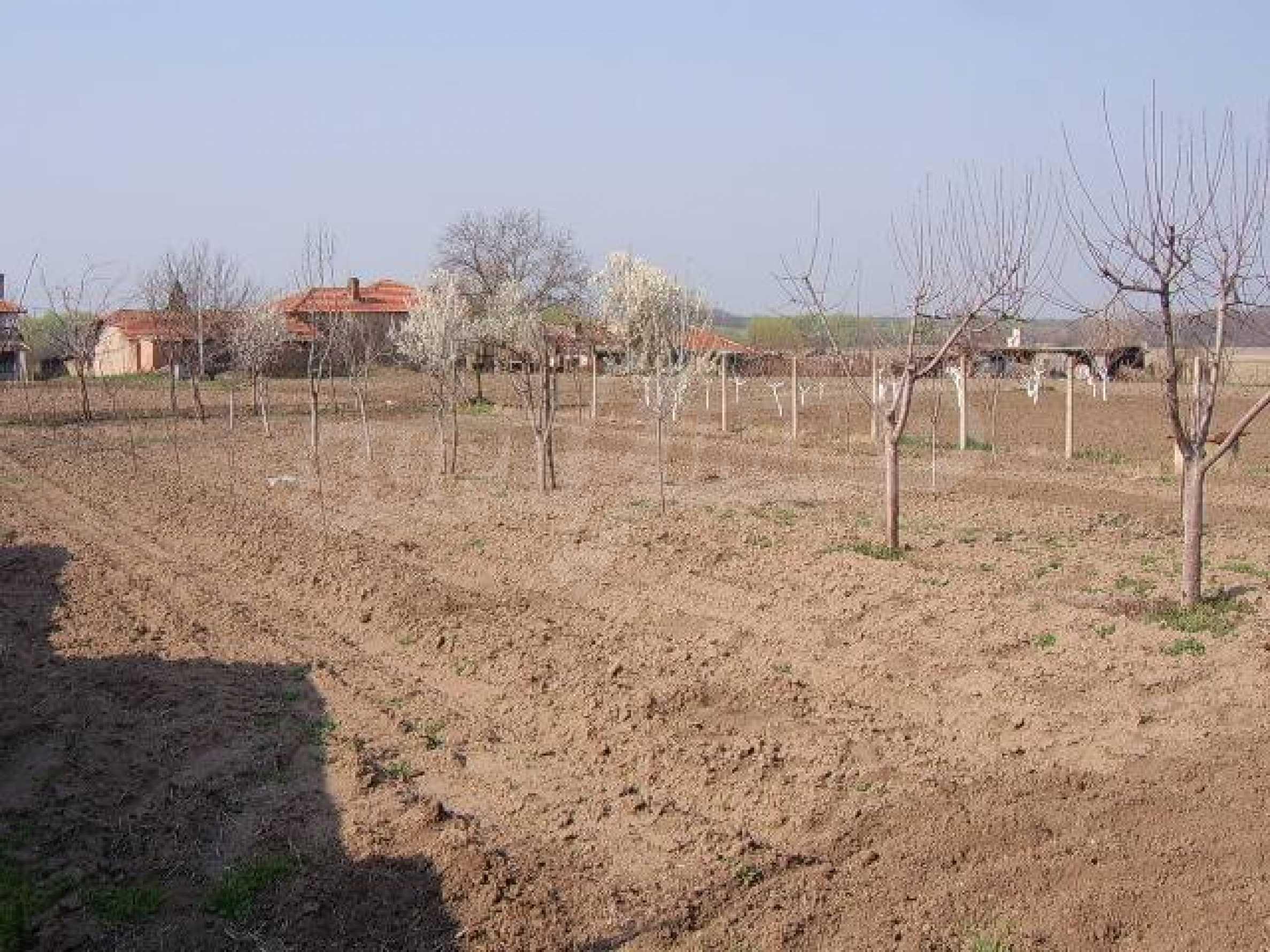 Земельный участок вблизи г. Стара Загора 1