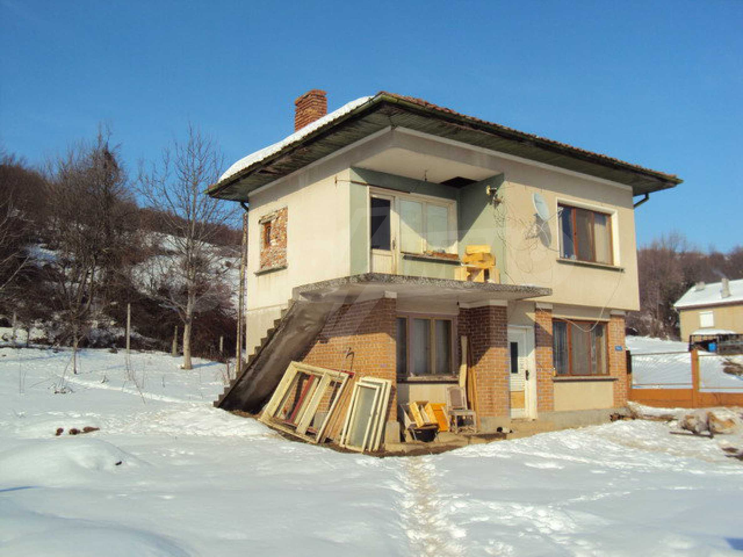 Two-storey house and a wood processing factory located in a village near Lovech 1