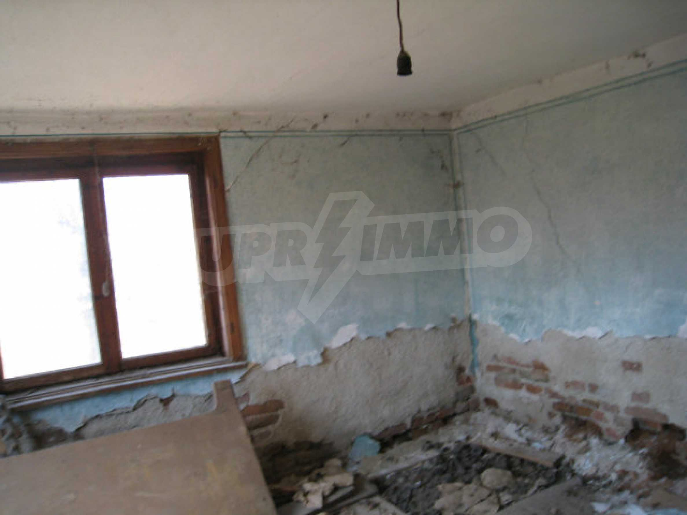 Old house with yard 70 km from Sofia 28