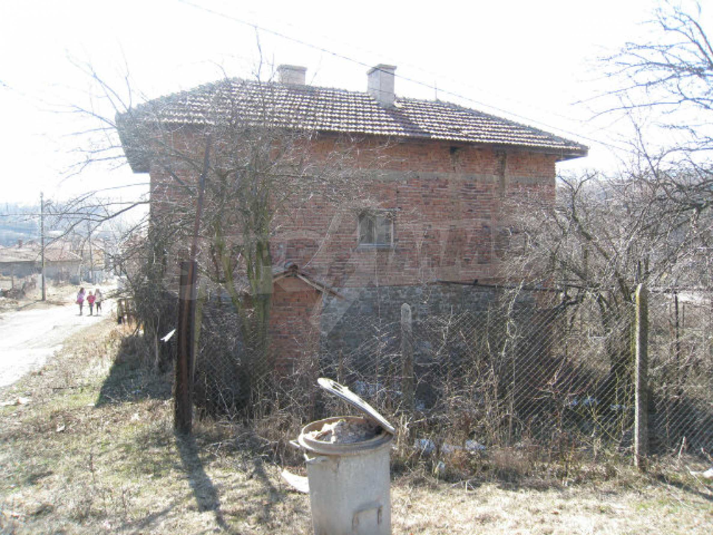 Old house with yard 70 km from Sofia 44