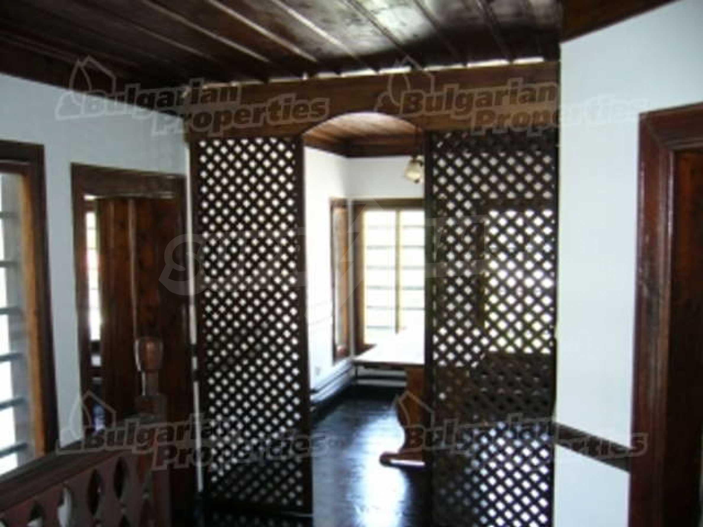 4-спальный дом в продаже около Пампорово 9
