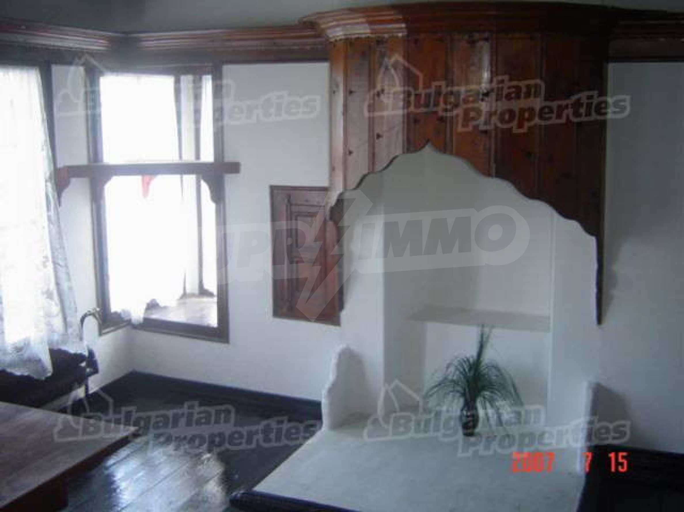 4-спальный дом в продаже около Пампорово 11