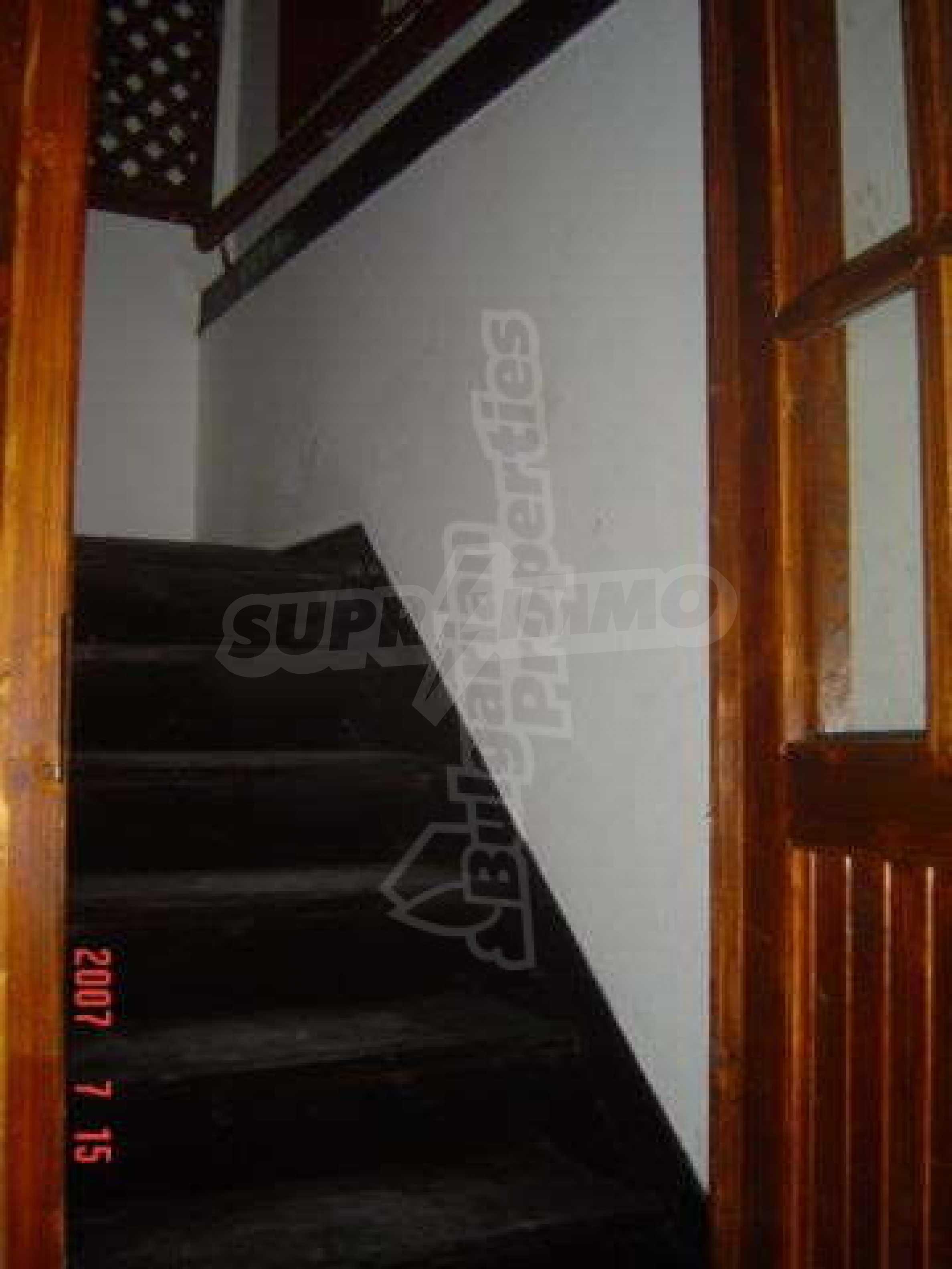 4-спальный дом в продаже около Пампорово 21