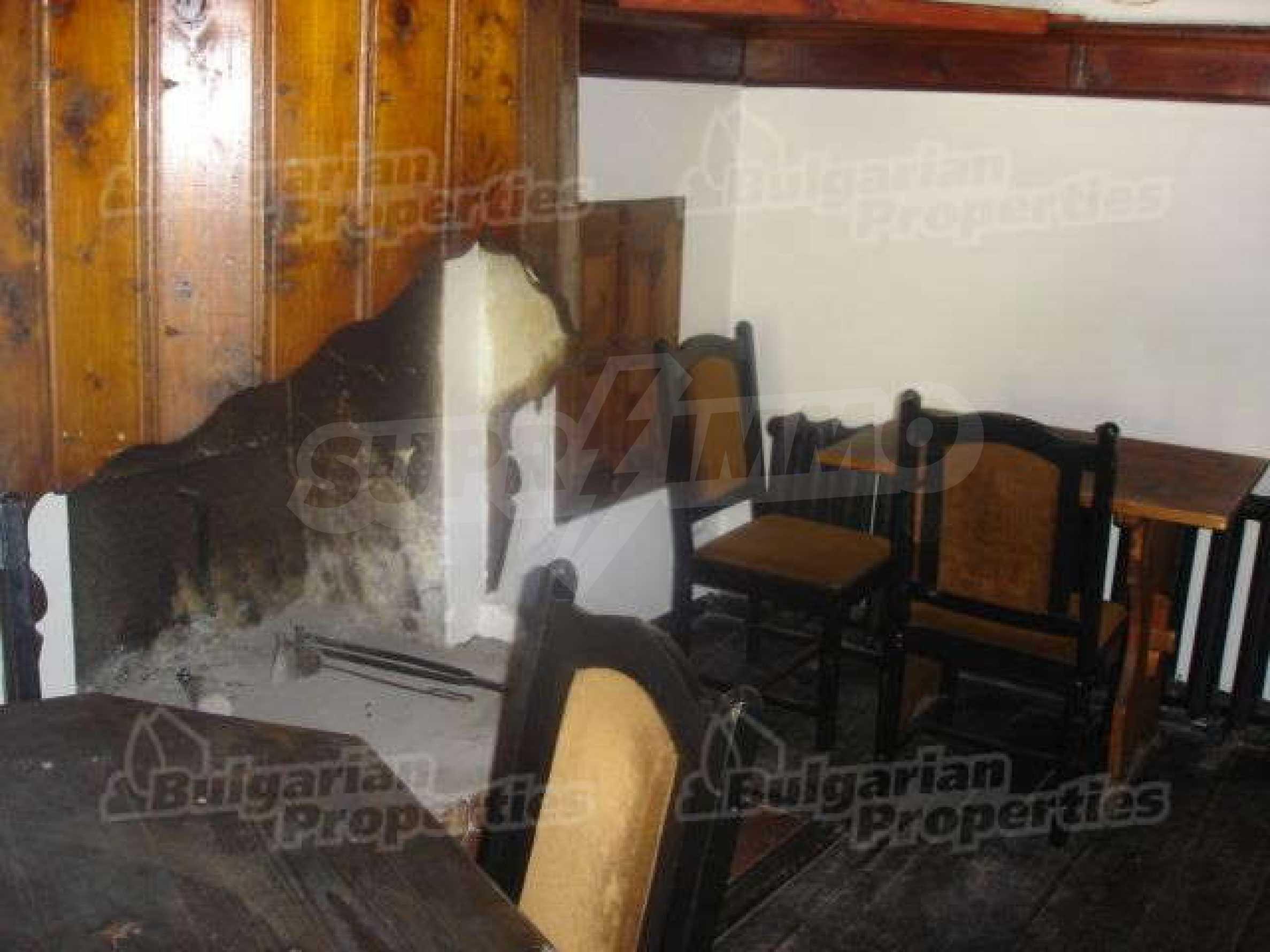 4-спальный дом в продаже около Пампорово 7