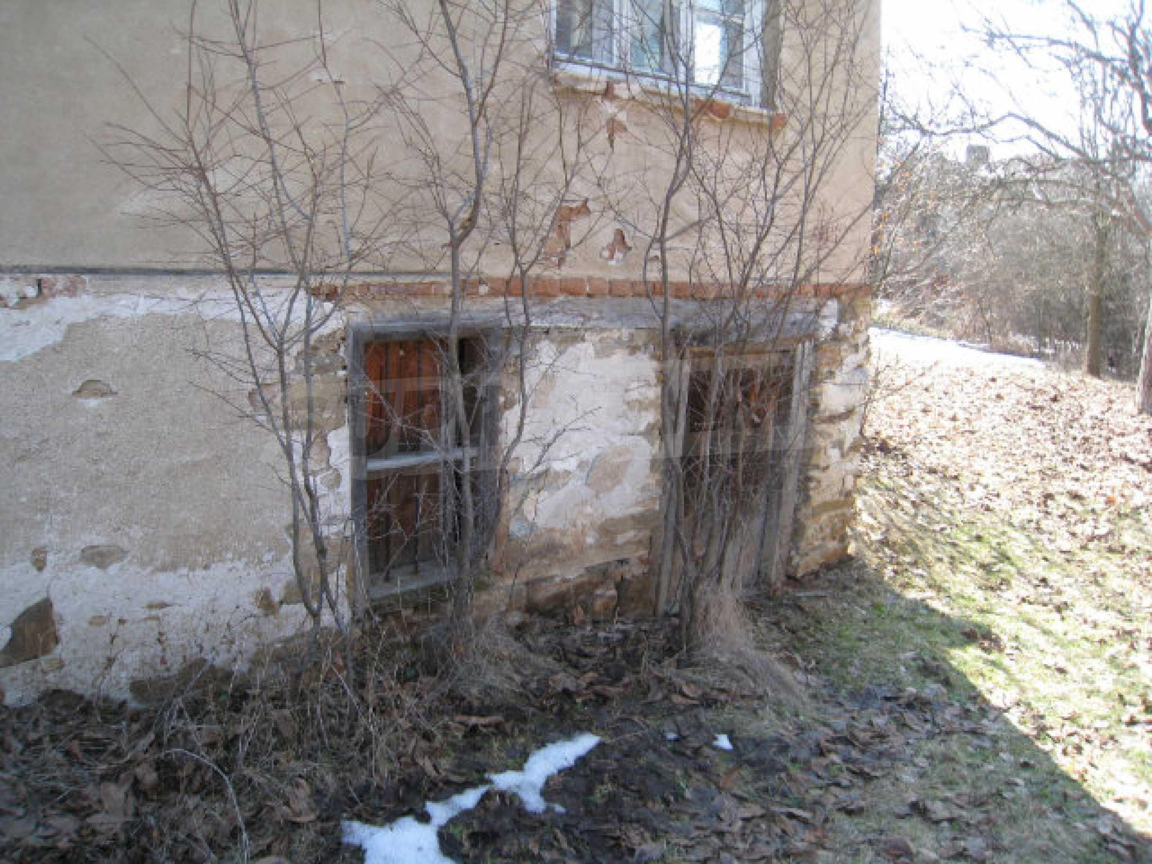 Haus in der Nähe von Pernik 12