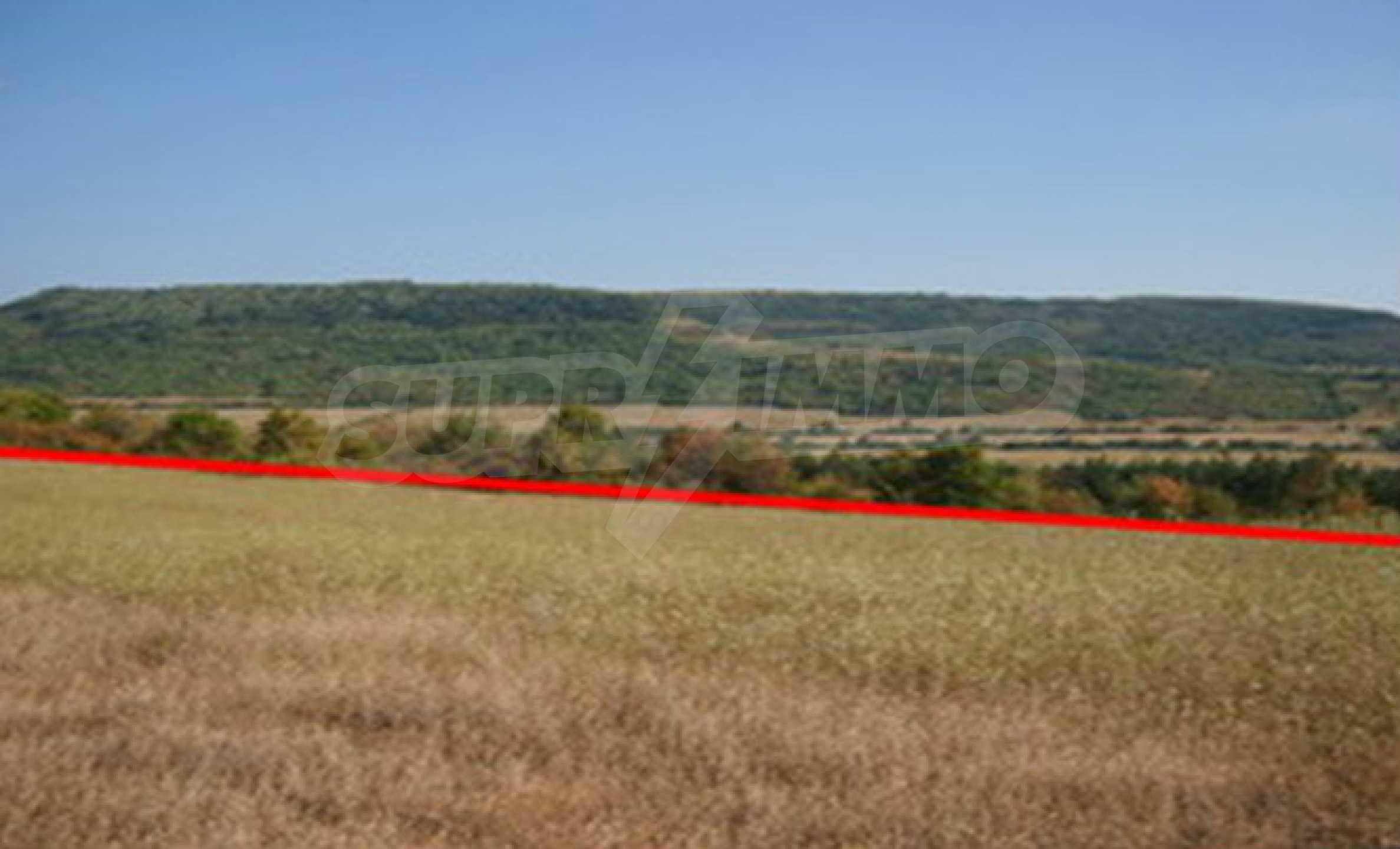 Земельный участок, предназначенный для постройки дома, в маленькой деревне в 5 км. от Дряново 1