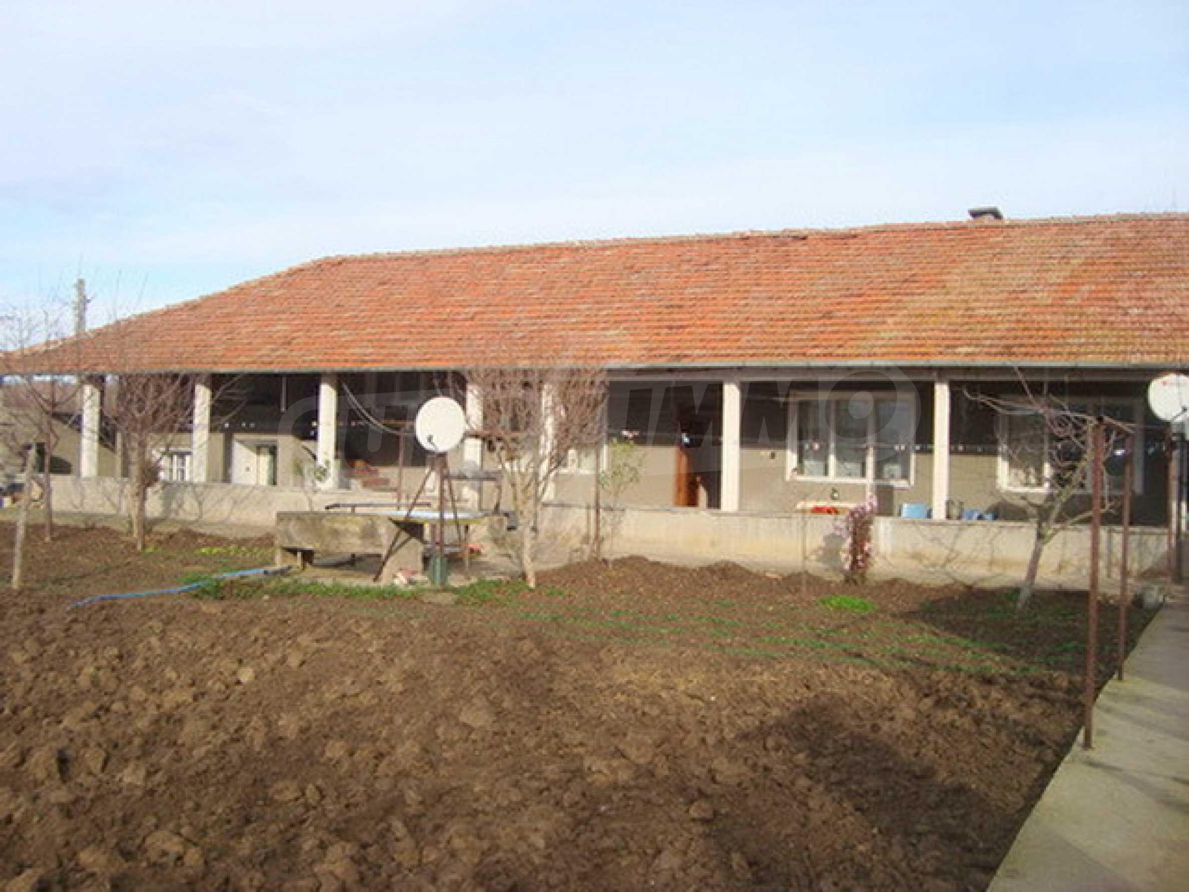Дом в с. Горски Сеновец